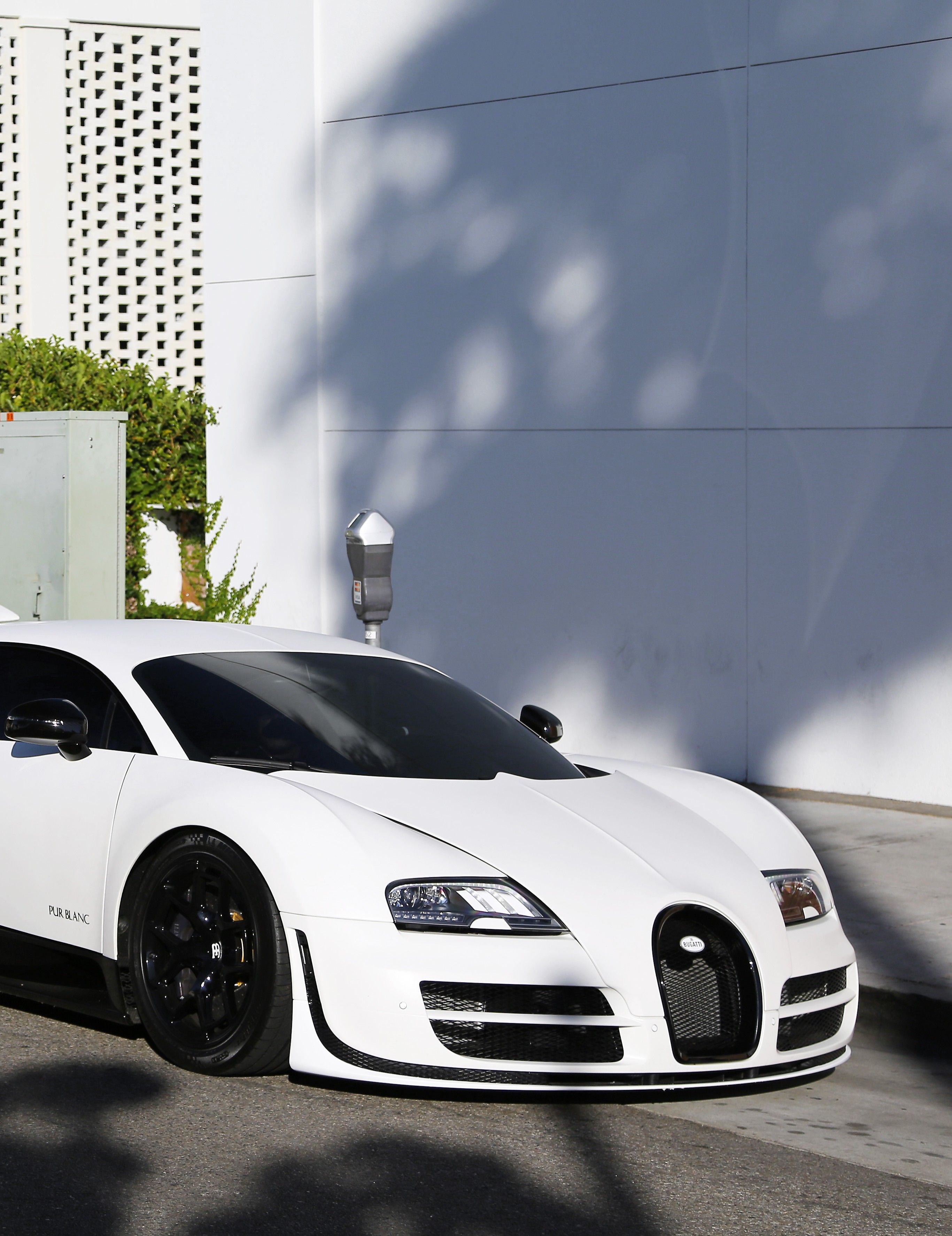 bugatti veyron pur blanc dream transportation is a hypercar too m. Black Bedroom Furniture Sets. Home Design Ideas