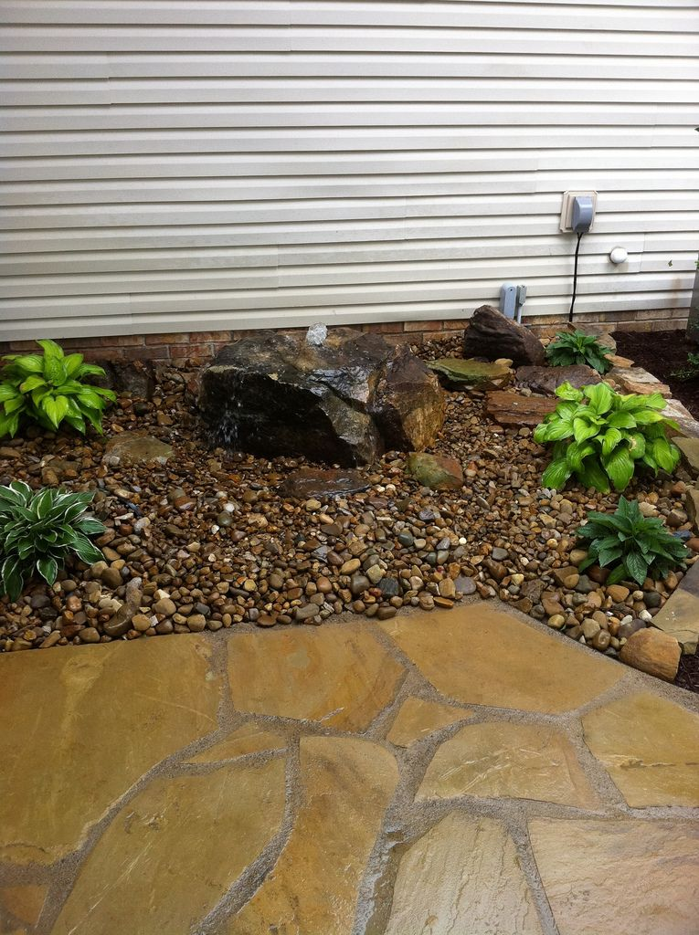 Small garden water features ideas water feature ideas for Water feature ideas for small gardens