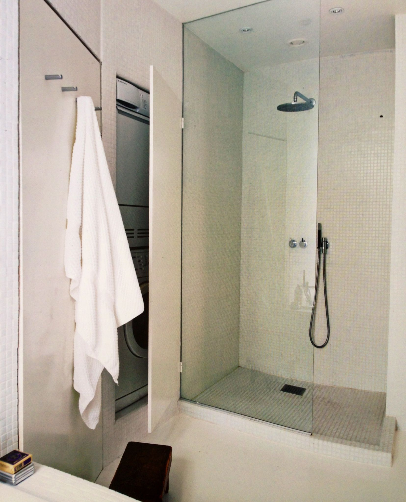 Neat hide the washing machine home decor bathroom for Bathroom designs with washing machine