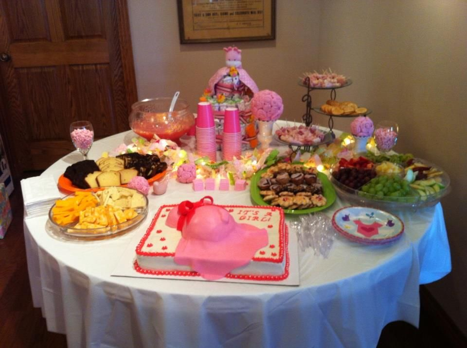 Baby shower table set up idea baby shower pinterest Baby shower table setting
