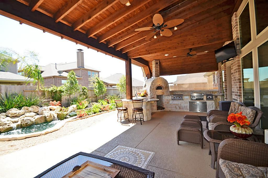 Covered patio outdoor kitchen combo for the home for Outdoor covered patio ideas