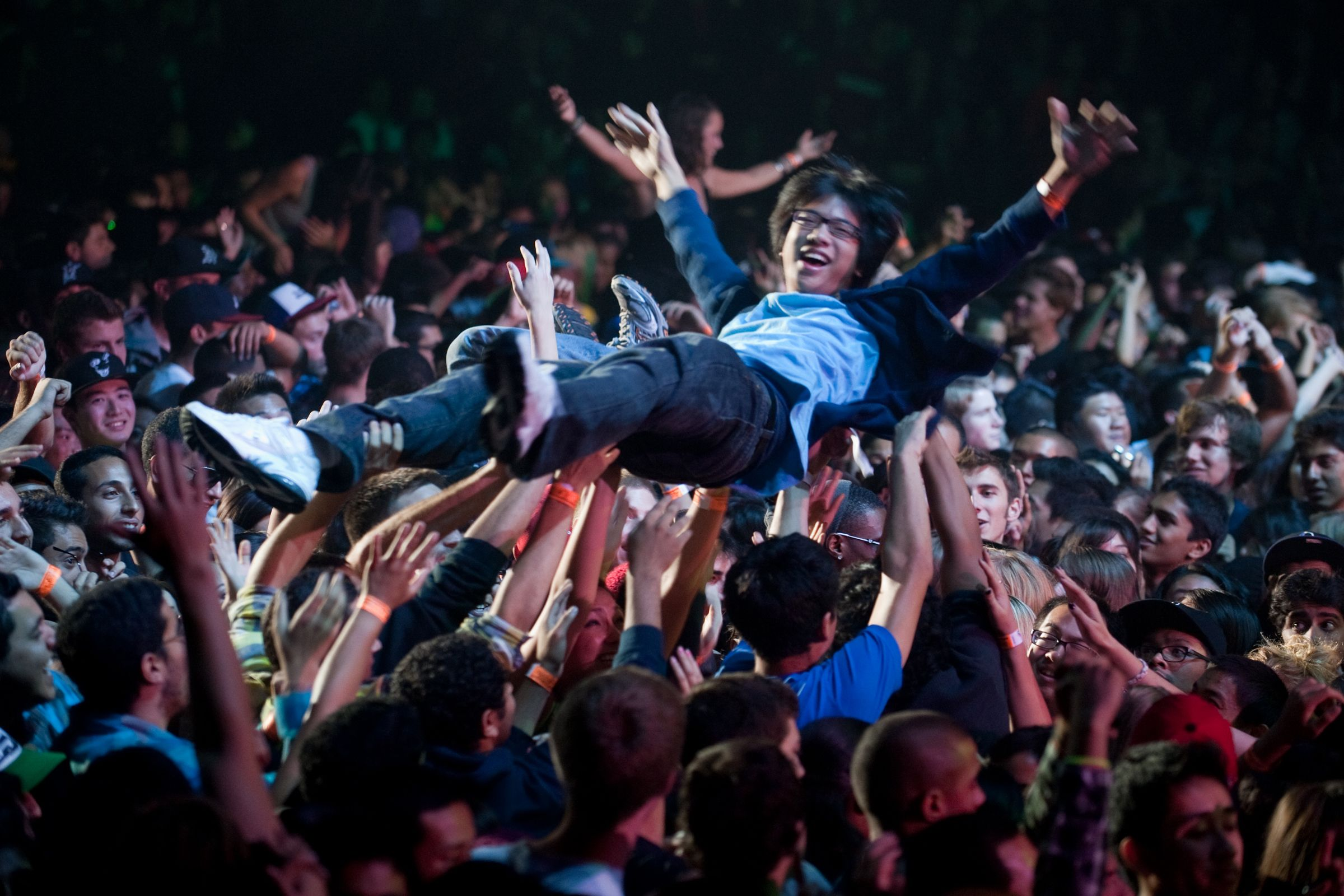Crowd surf fetish picture 40