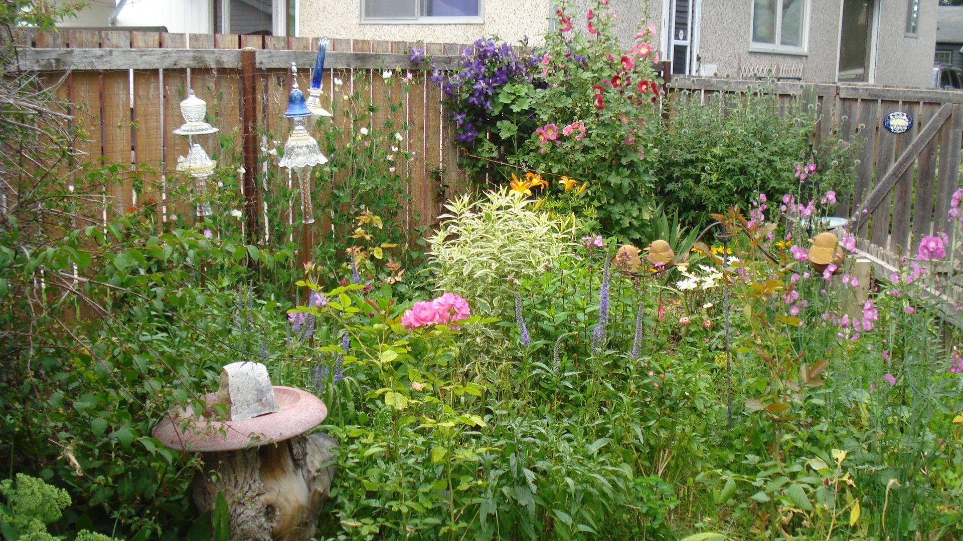 My little flower garden gardening ideas pinterest for Garden design pinterest