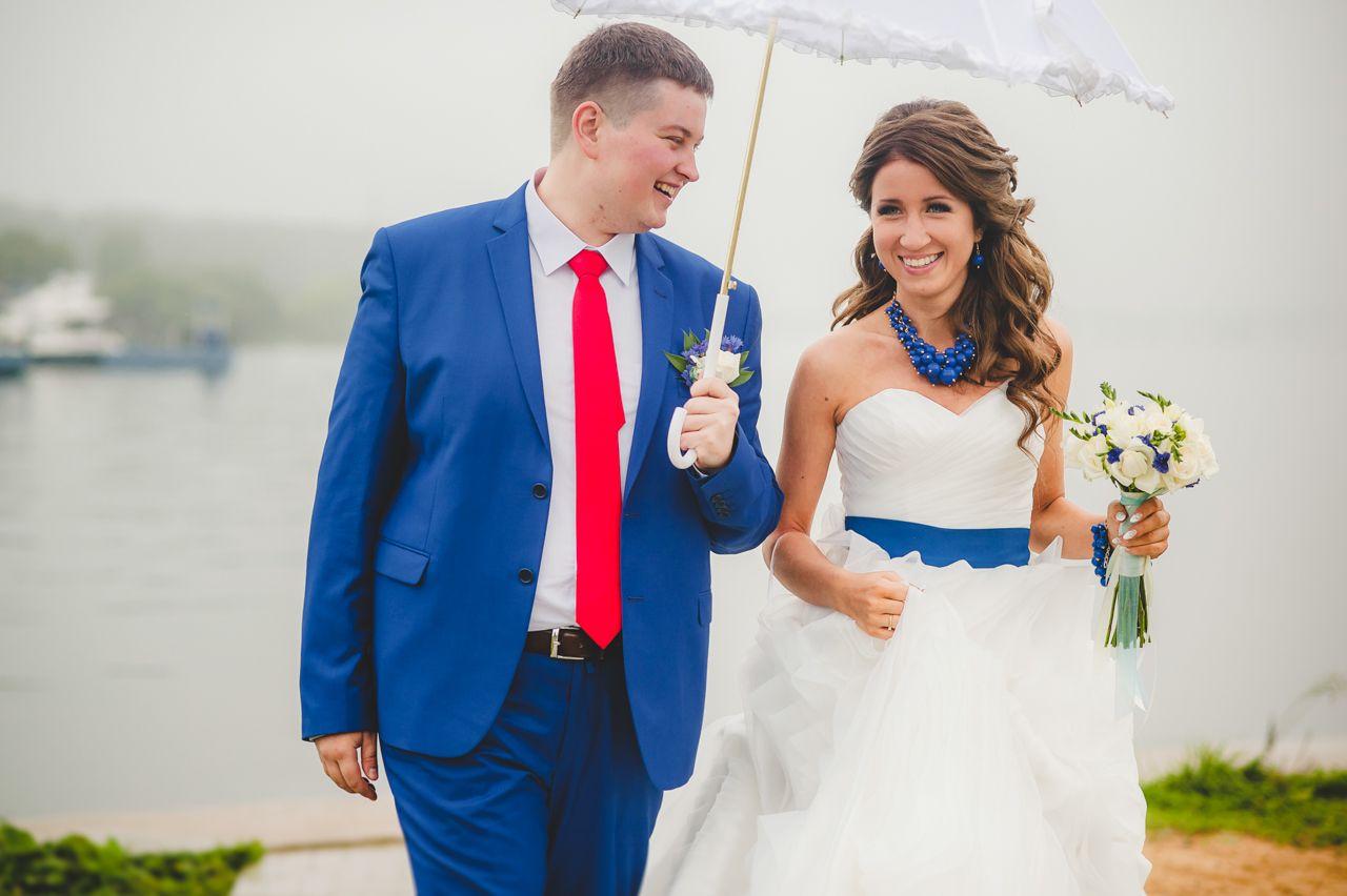 Свадьба жених фото красный цвет