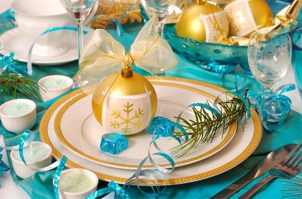 Centro de mesa en blanco dorado y azul para estas navidades 2014-2015