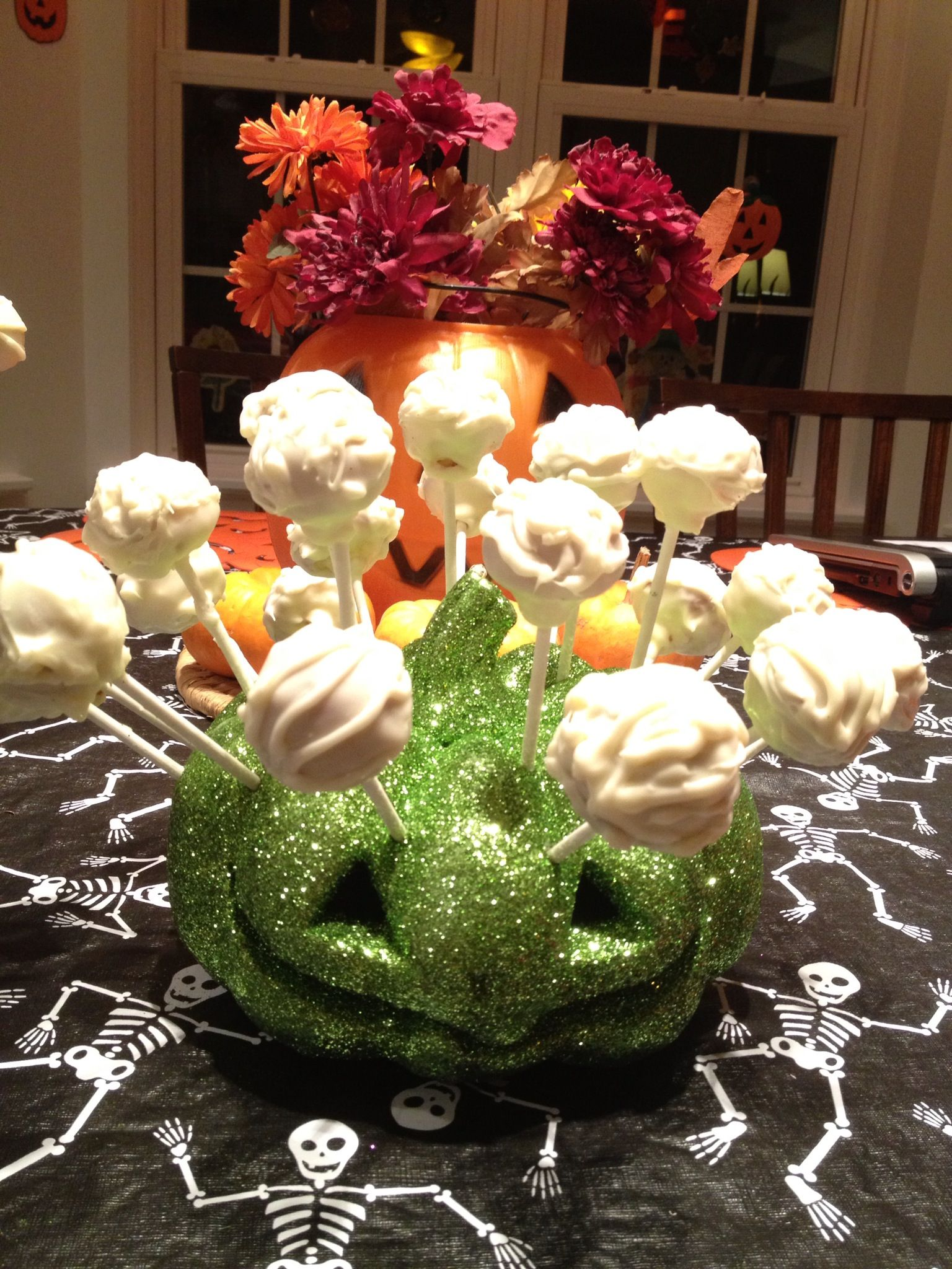 Halloween cake balls | Halloween Cake | Pinterest