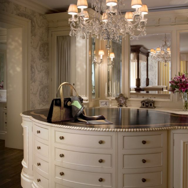 Clive christian clive christian interiors pinterest for Clive christian bathroom designs