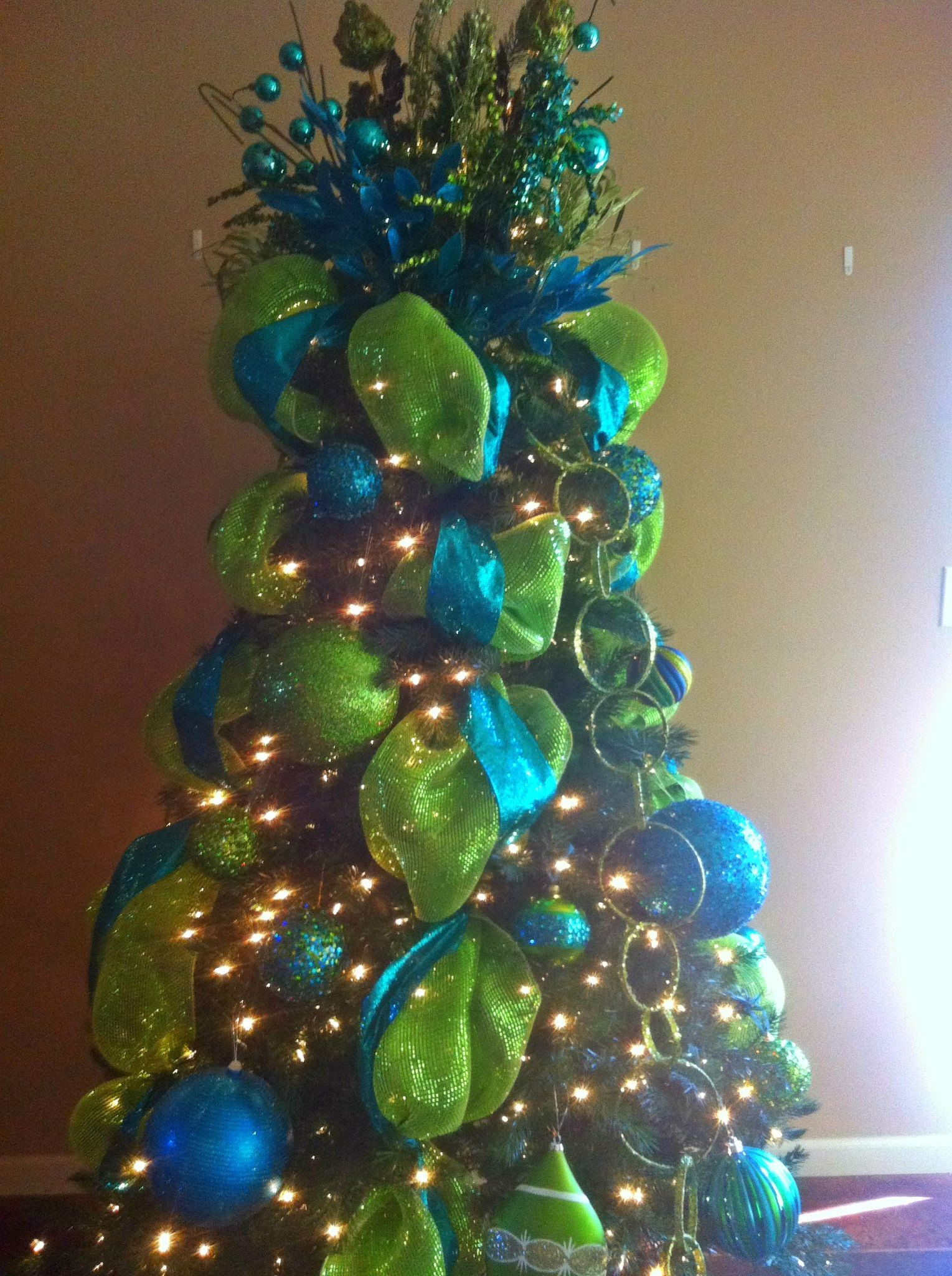 Christmas tree blue green glitter christmas pinterest for A green christmas decoration