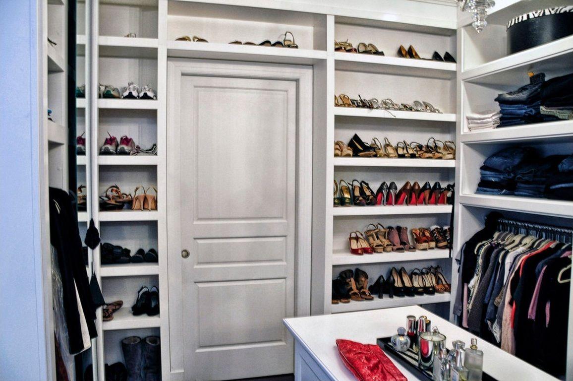 Walk in shoe closet home decor closets ideas designs for Walk in shoe closet