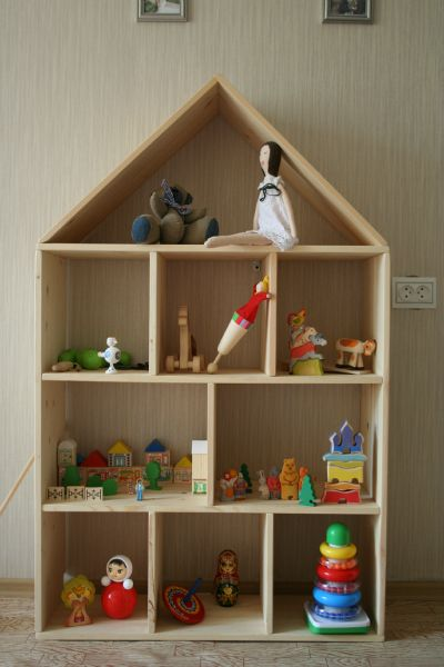 Деревянный стеллаж для игрушек своими руками 56
