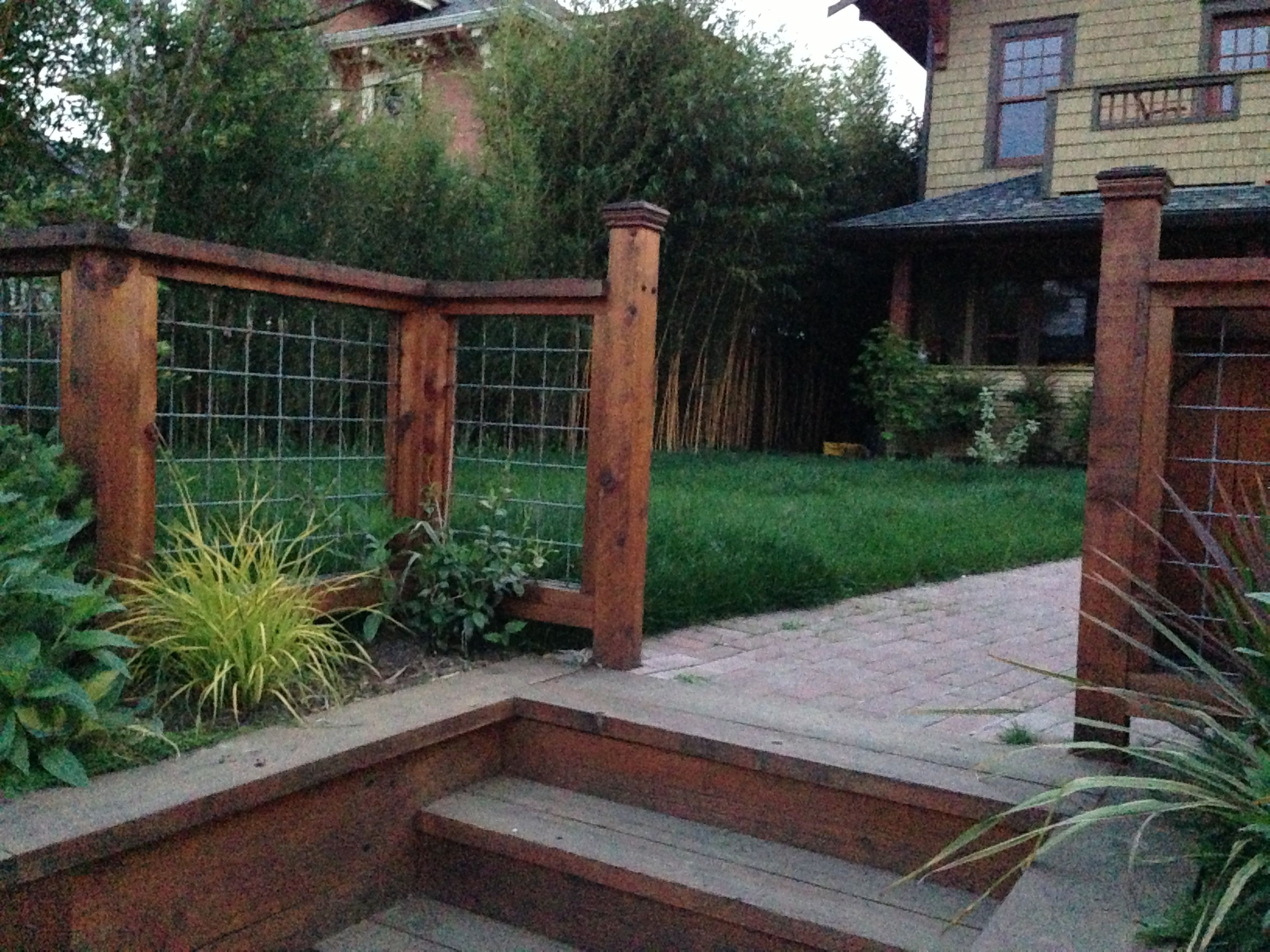 Low fence for front yard outside stuff pinterest for Low garden fence ideas