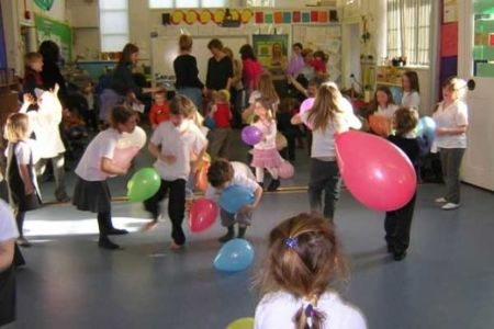 Balloon Catching For Kids Birthday Party Games 8 10 Year Olds