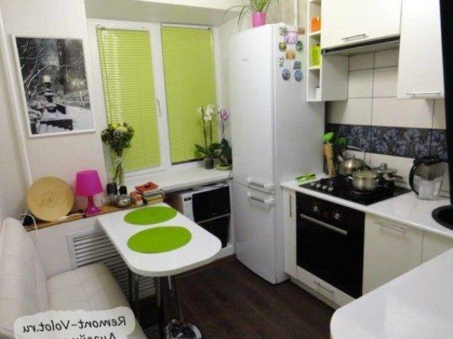 Прямая кухня 7 кв метров дизайн с холодильником.