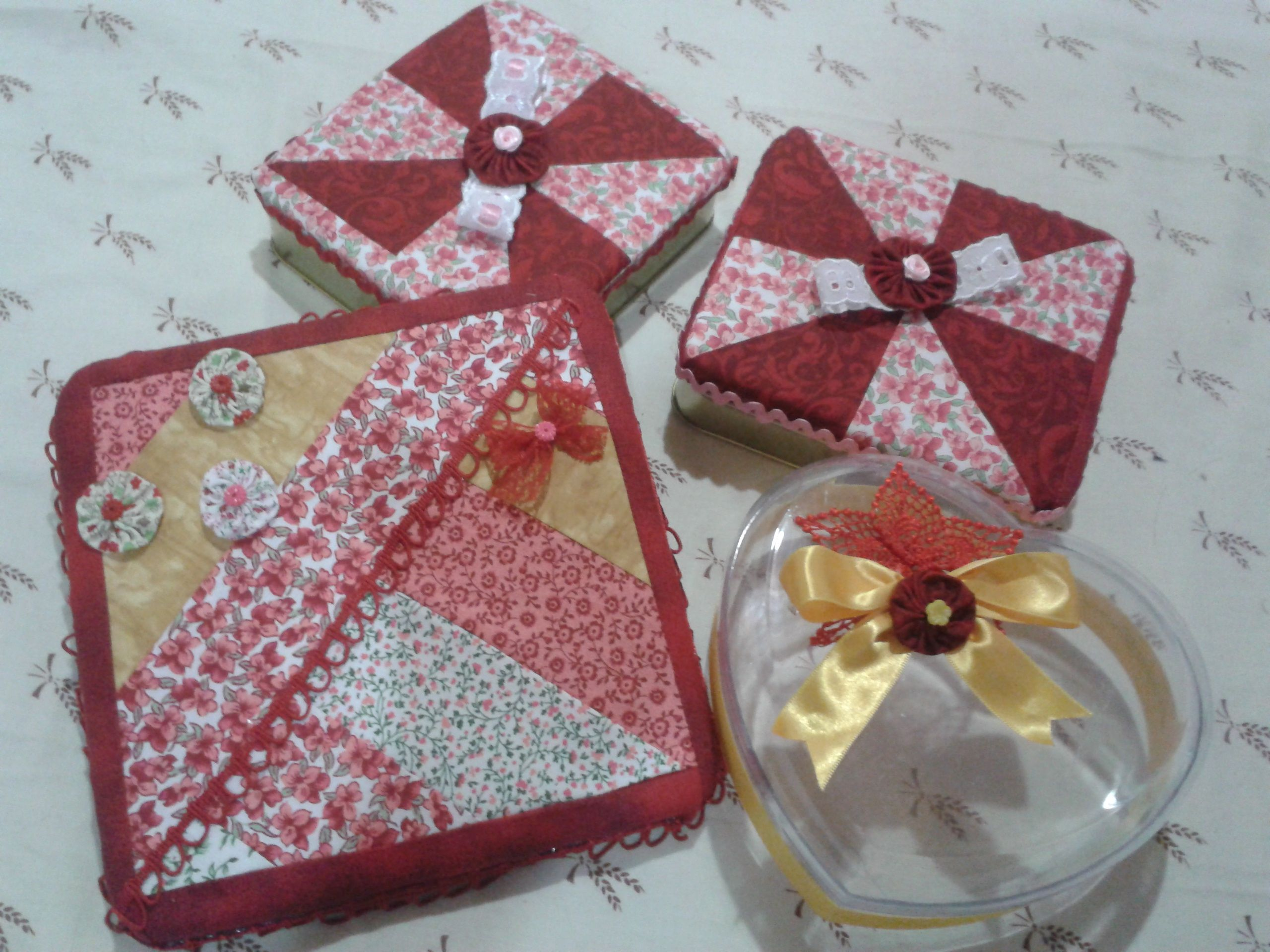 Pinterest Craft Ideas: Recycle Conteiners And Patchwork