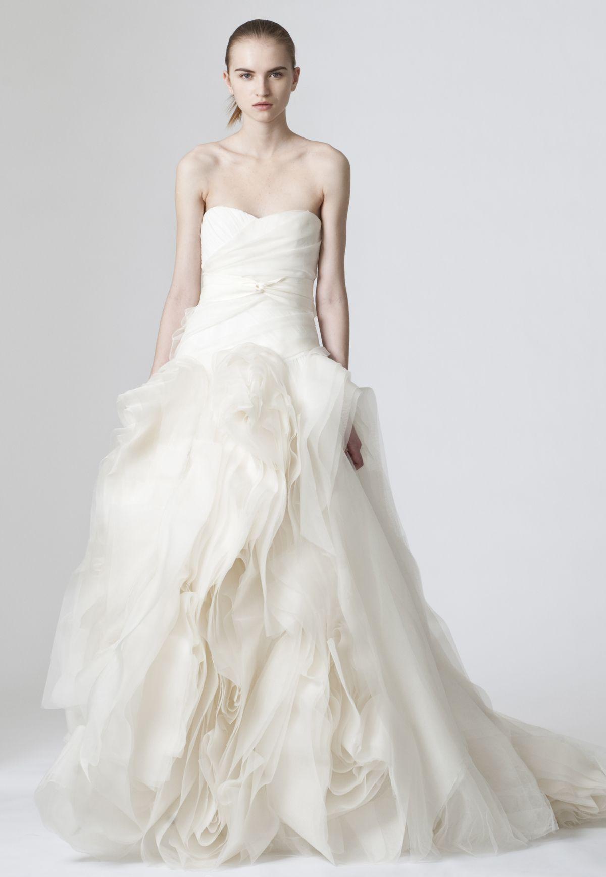 Diana vera wang wedding ideas pinterest for Vera wang style wedding dress