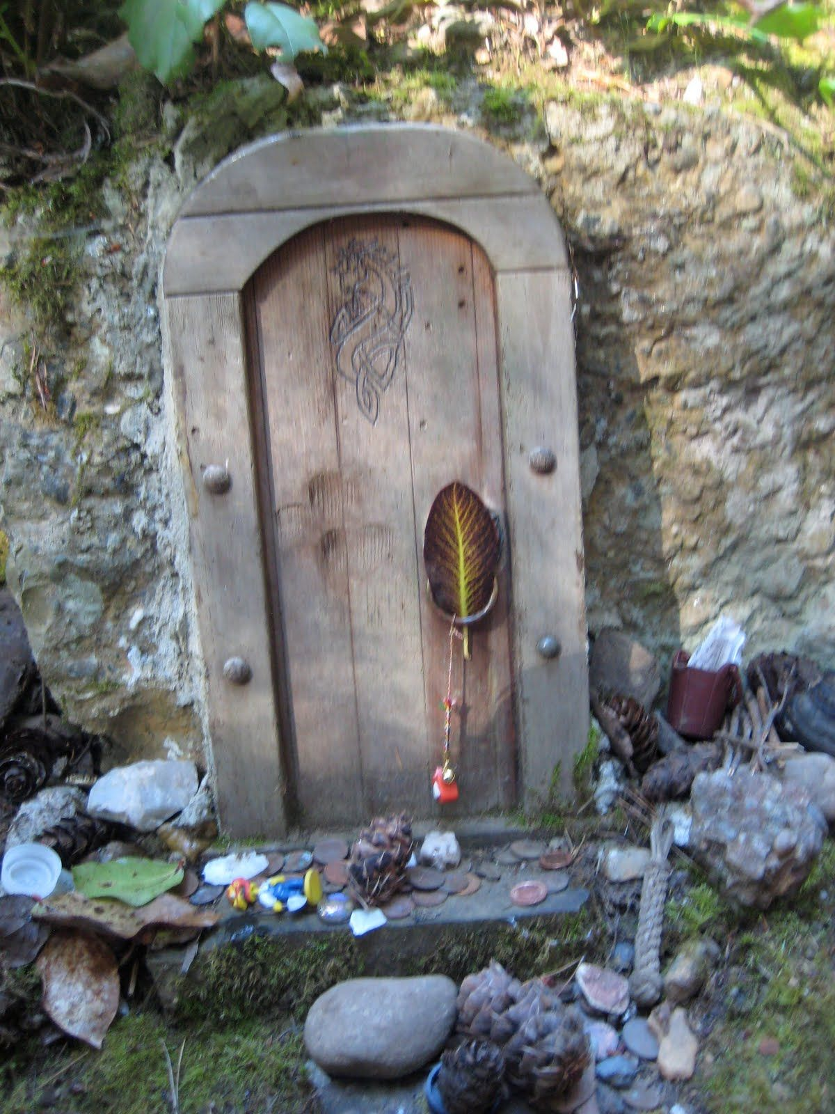 Fairy door salt spring island canada doors pinterest for Fairy doors images