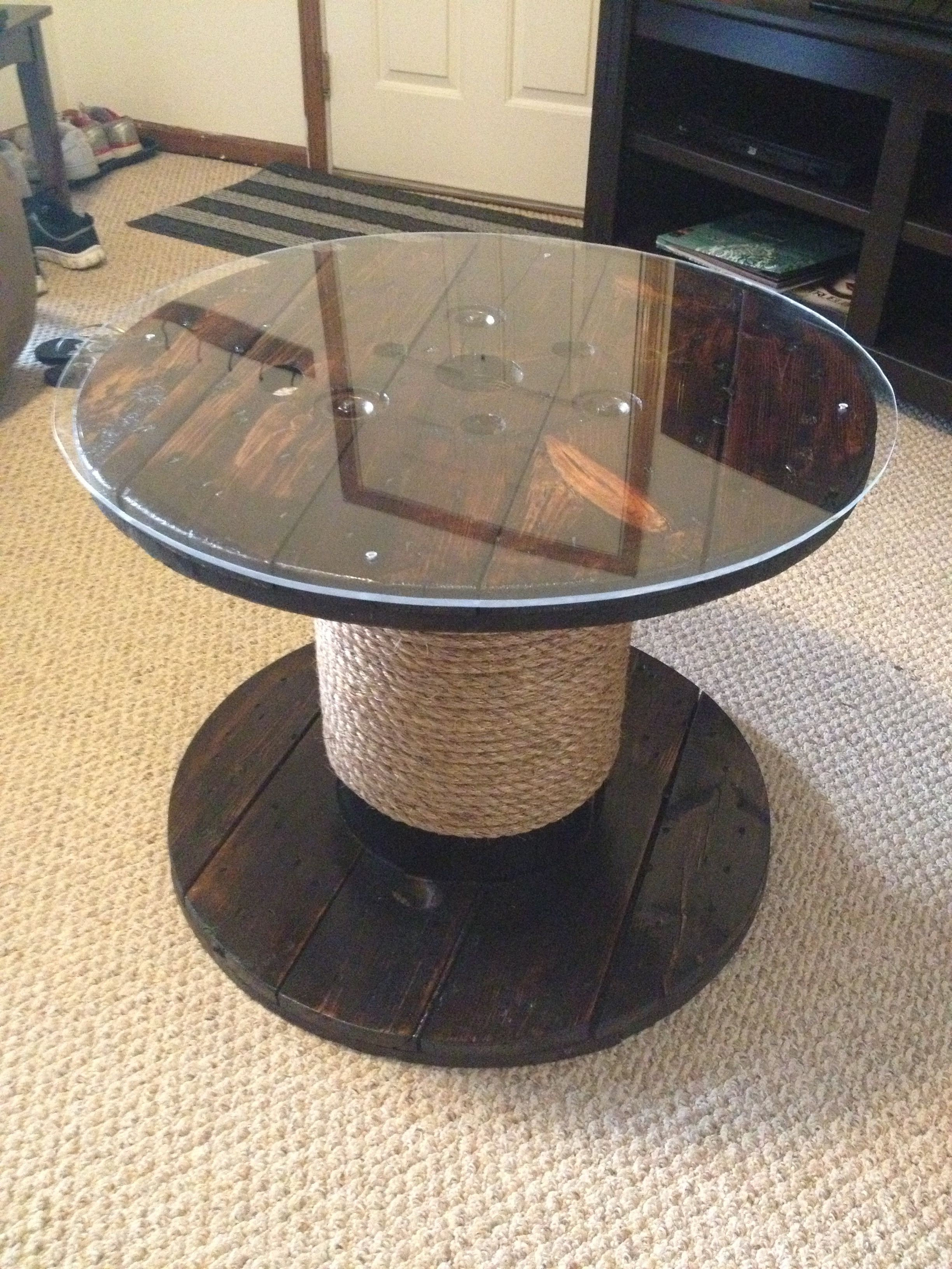 Wooden cable spools on pinterest wooden spool tables wire spool - Patio Table From An Old Wire Spool Diy Pinterest