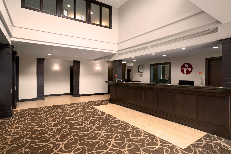 Void Elegant Interior : Elegant marble and granite entrance  Our Hotel In Pitt Meadows - Nea ...
