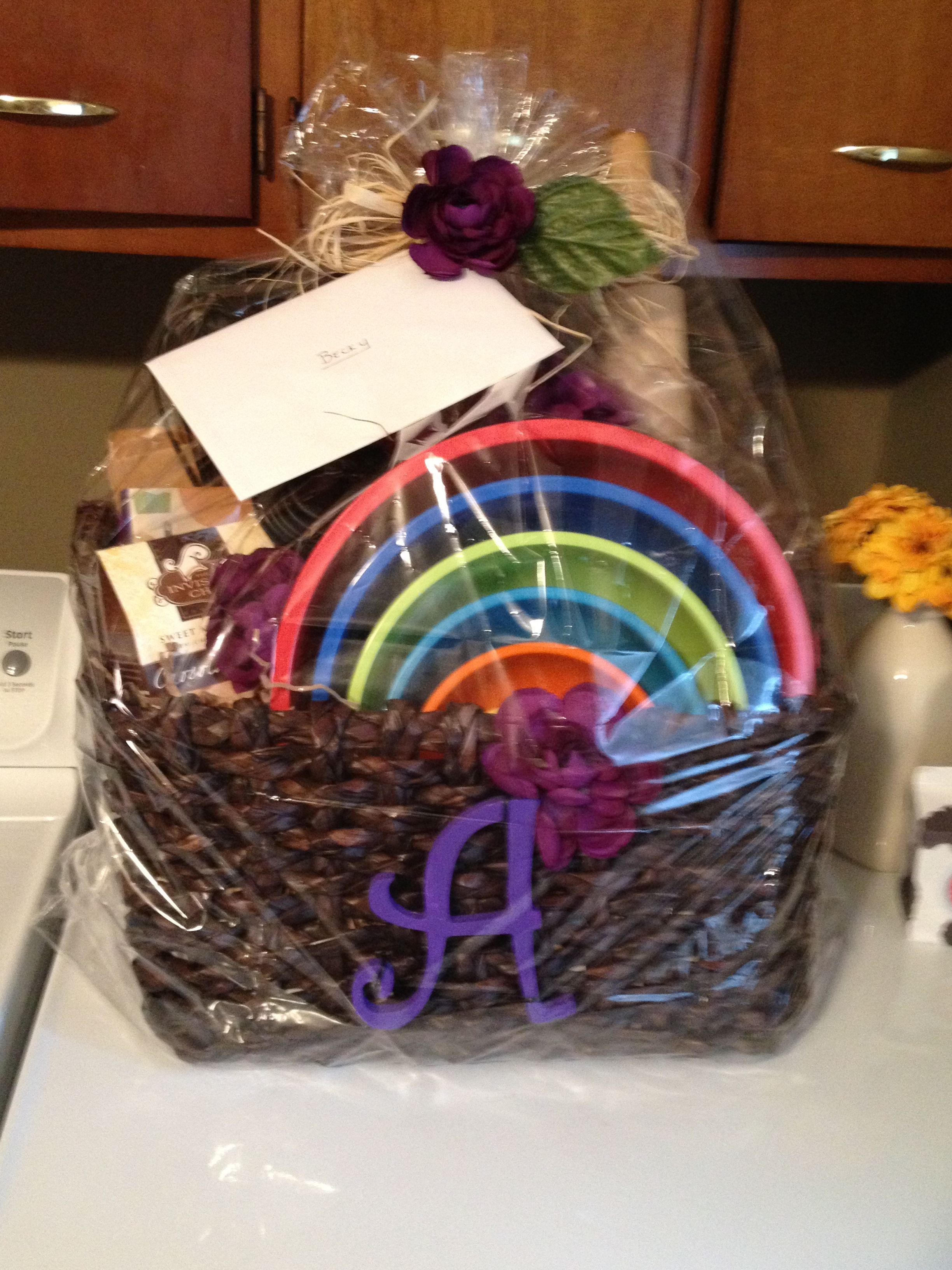 Bridal shower basket cute crafty gift ideas Pinterest