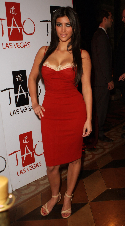 kim kardashian red dress Photo