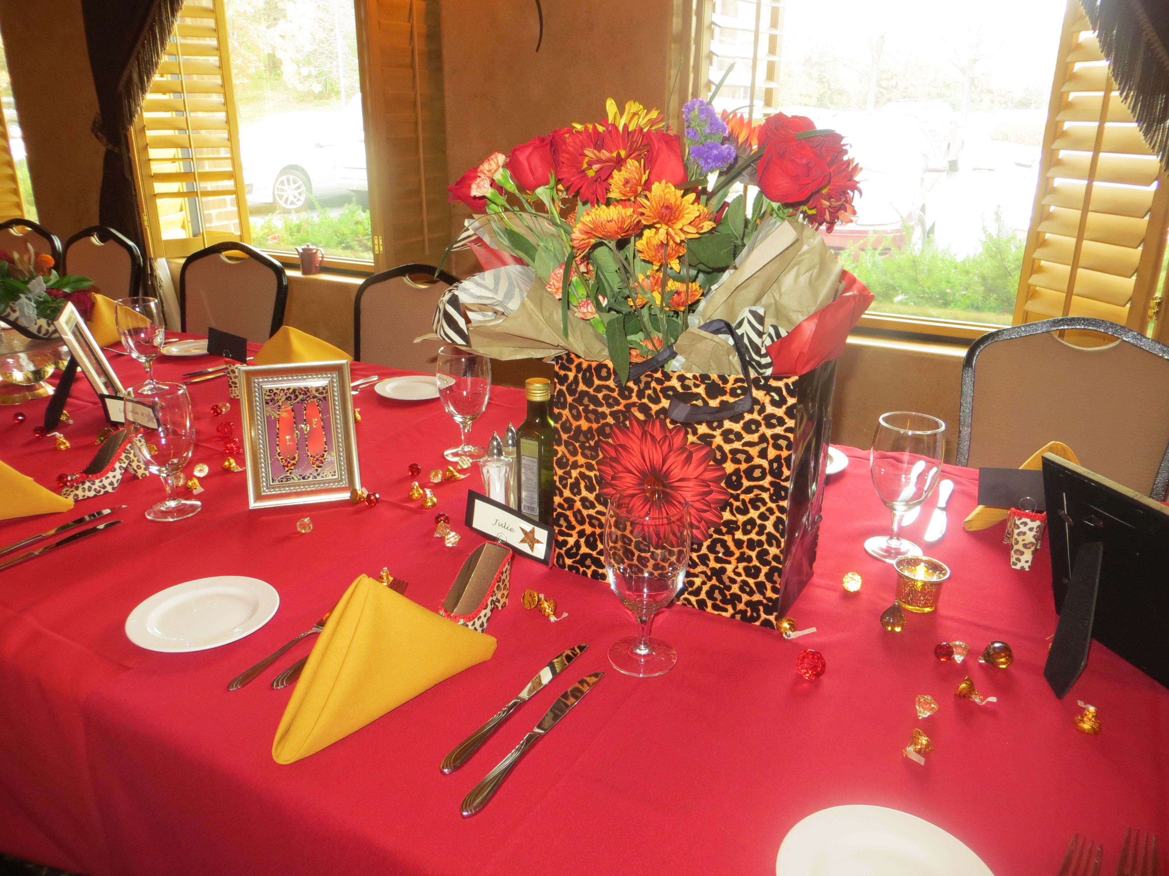 60th birthday party table decor pinterest for Decoration 60th birthday party
