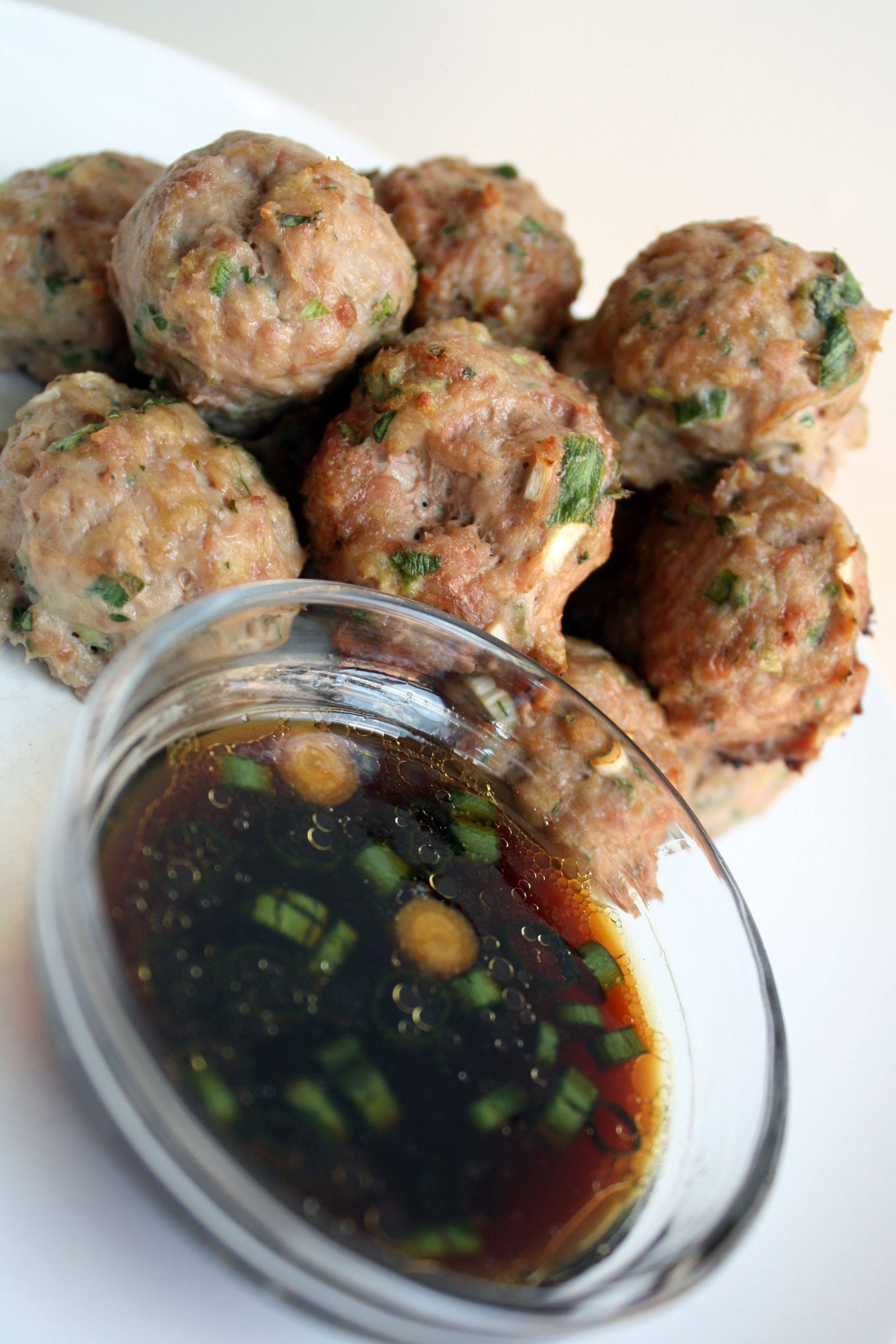 Asian Turkey Meatballs With Lime Sesame Dipping Sauce ...
