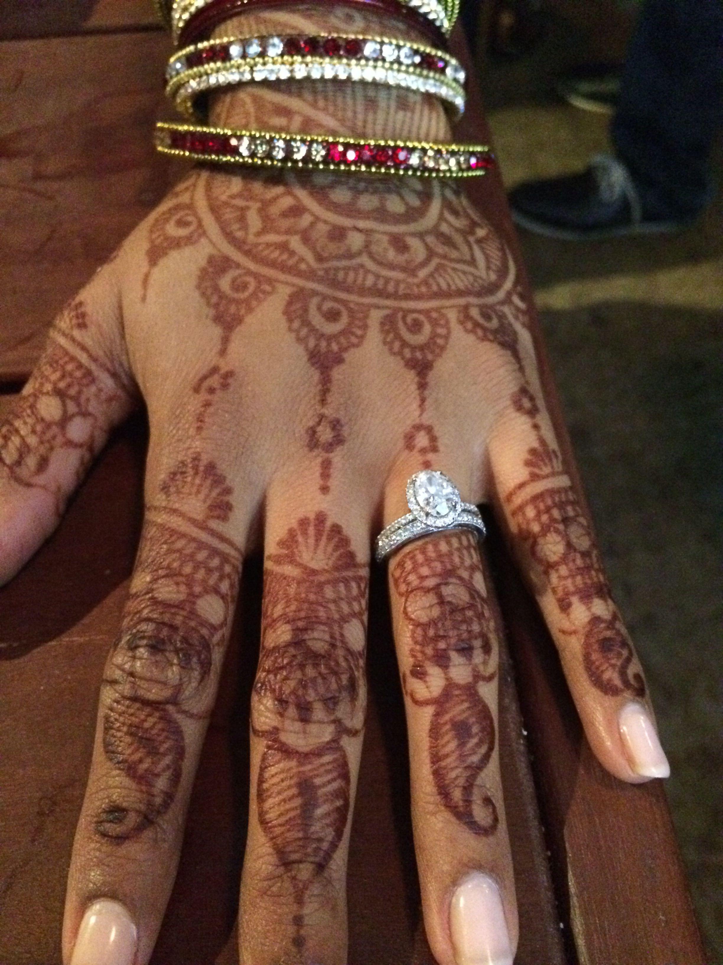 Mehndi Hands With Engagement Ring : Pakistani wedding henna engagement ring pinterest