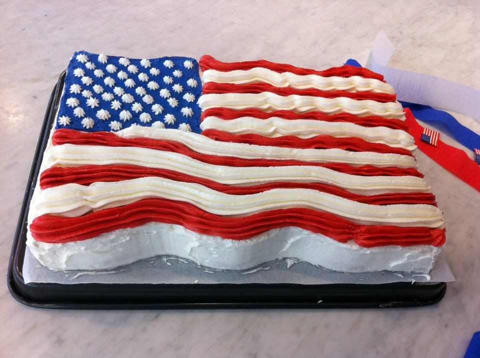 american flag cake. | Cakes I want to try | Pinterest