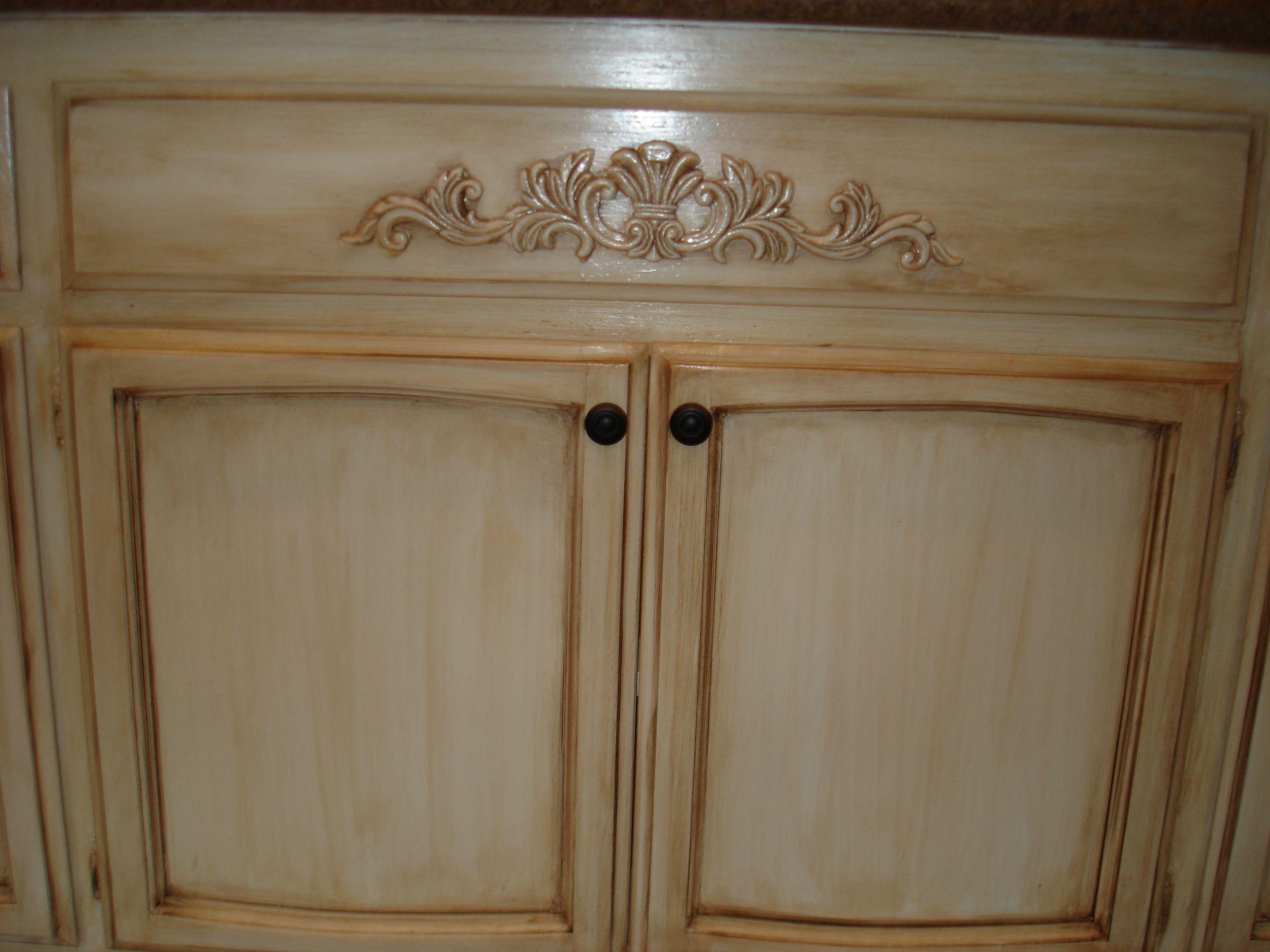 Off white cabinets with glaze glazed white cabinets for Photos of white glazed kitchen cabinets
