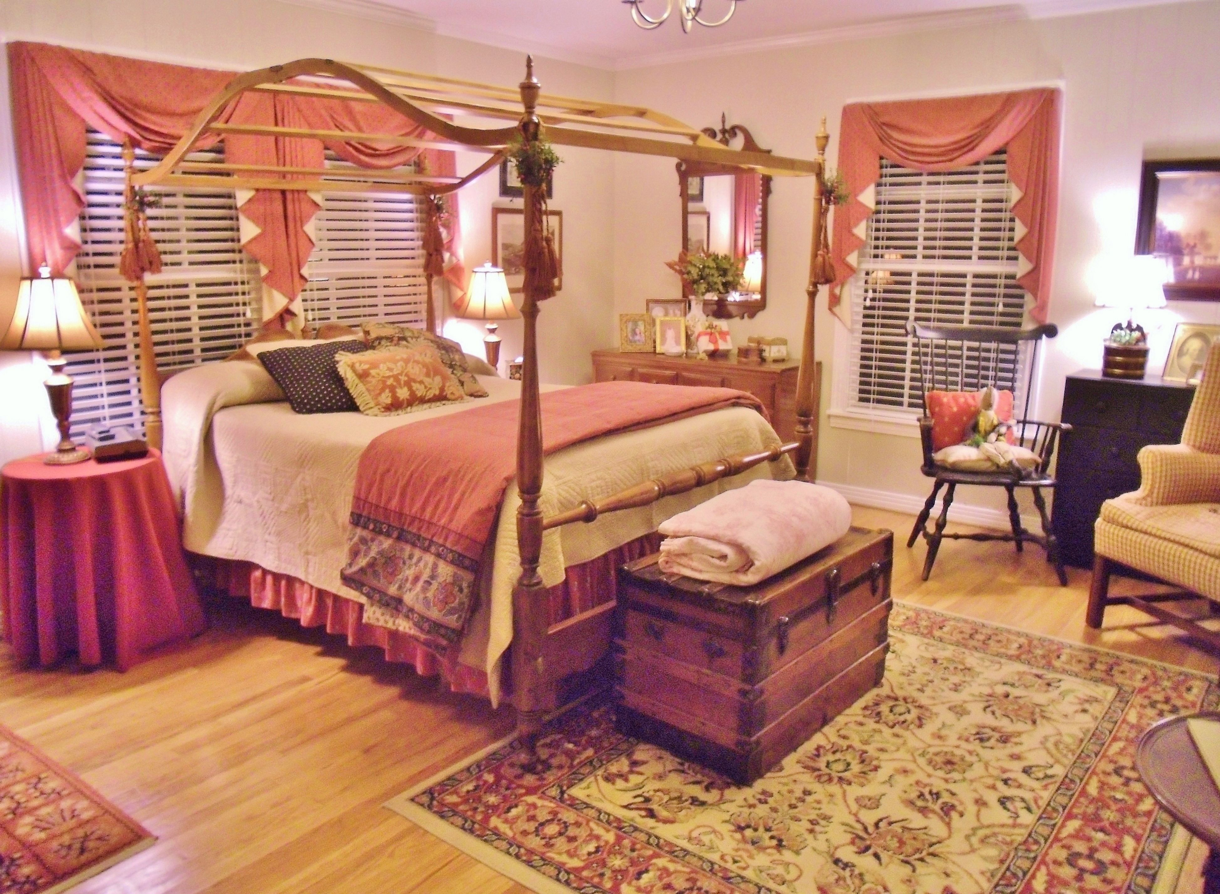 Colonial bedroom farmhouse primitive country home for Colonial bedroom ideas