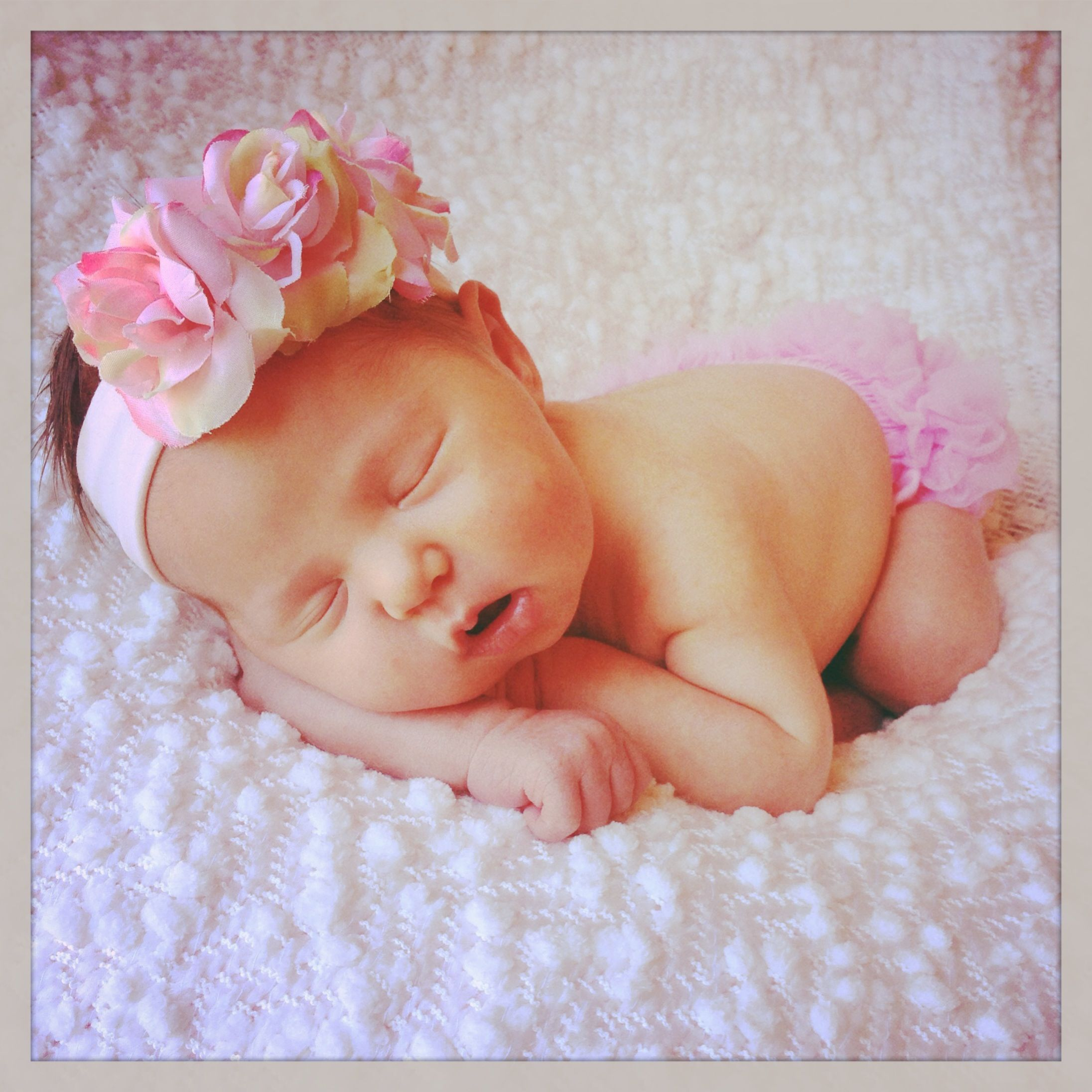 The Gallery For Newborn Baby Pictures Ideas