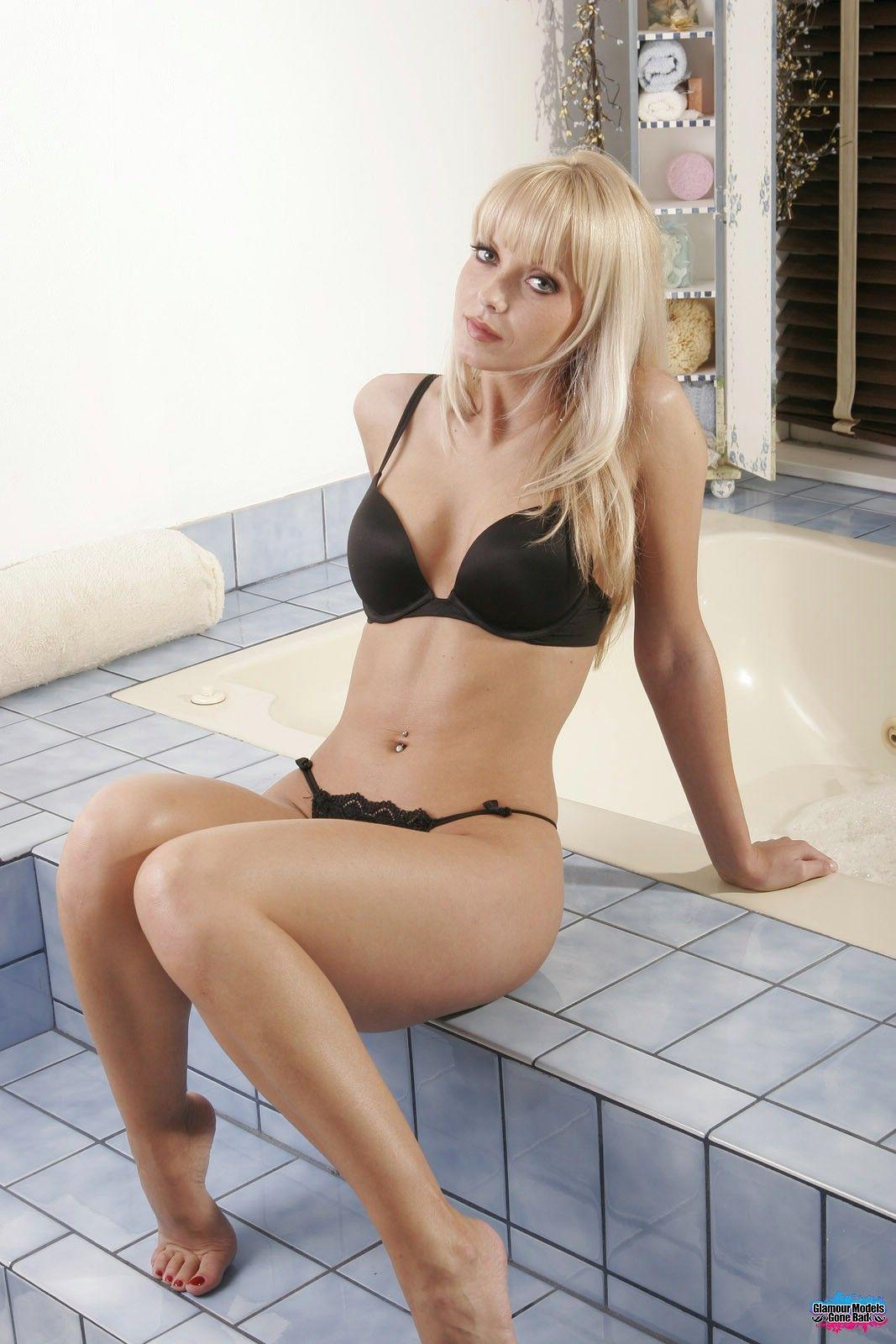 Jana Cova Nude Photos 46