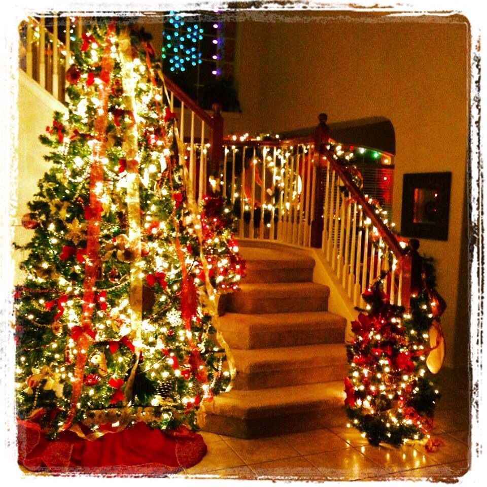 christmas tree garland on the stairs holidays. Black Bedroom Furniture Sets. Home Design Ideas