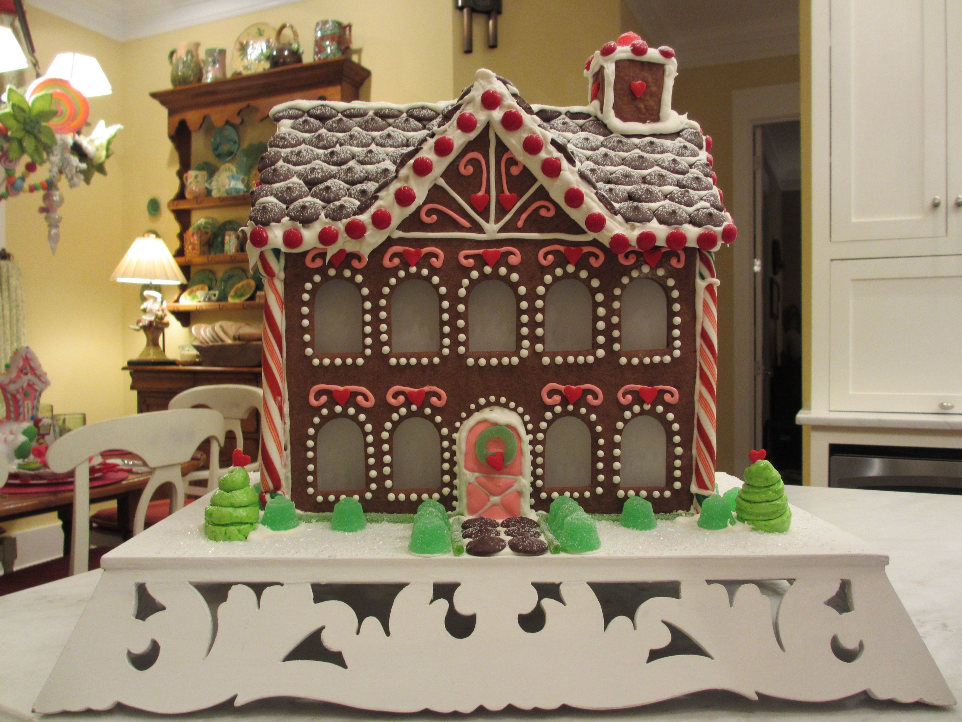 Gingerbread House Ready To Move In Cool Projects
