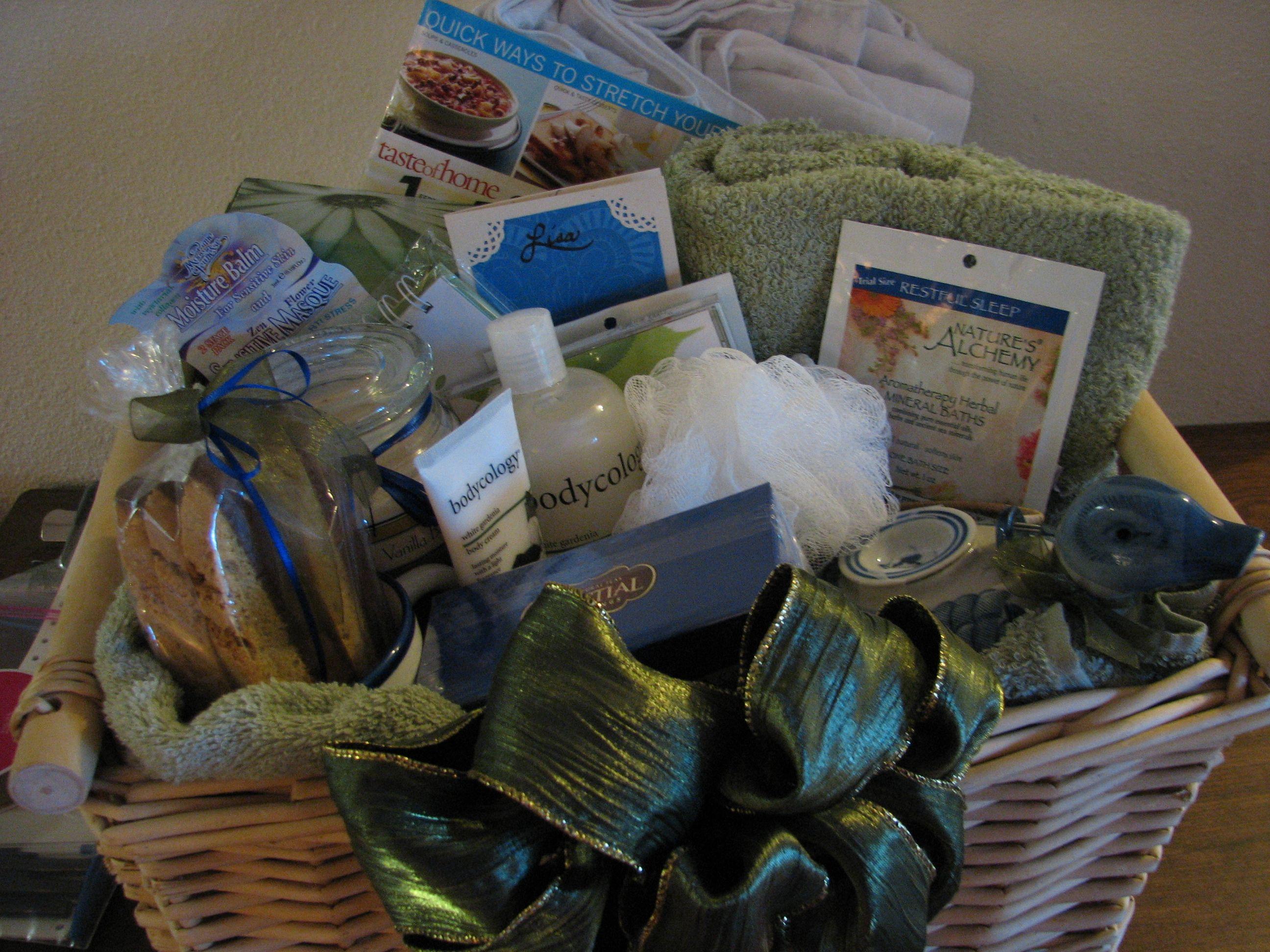 Handmade Gifts Baskets : A homemade gift basket ideas