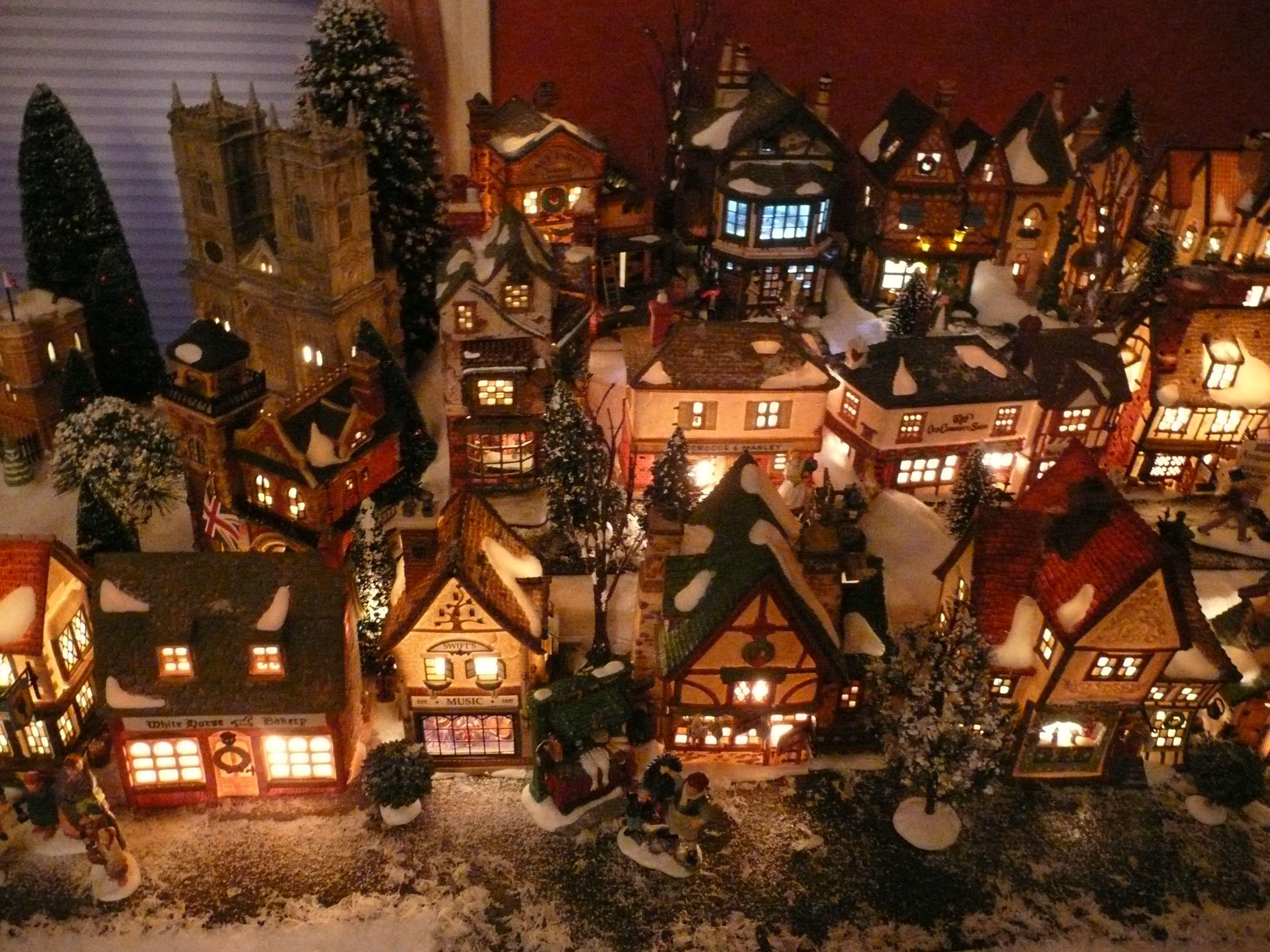 Christmas Village Figurines Set