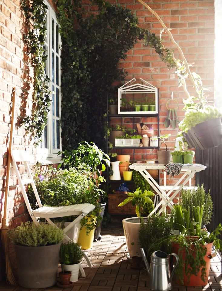 30 inspiring small balcony garden ideas amazing diy for Balcony garden