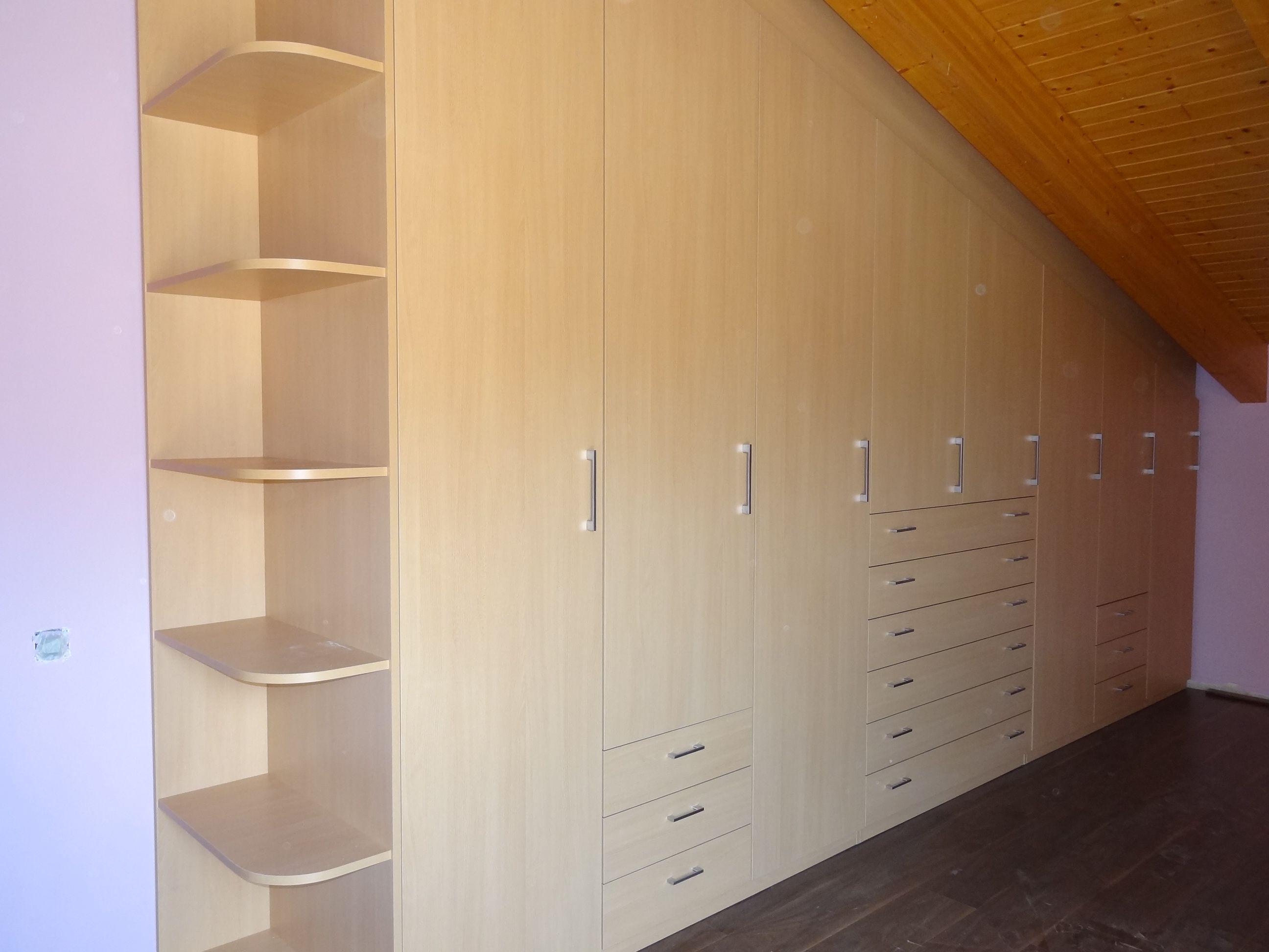 Soluciones A Medida Para Espacios Con Complicaciones Amueblar Una  # Muebles Buhardilla