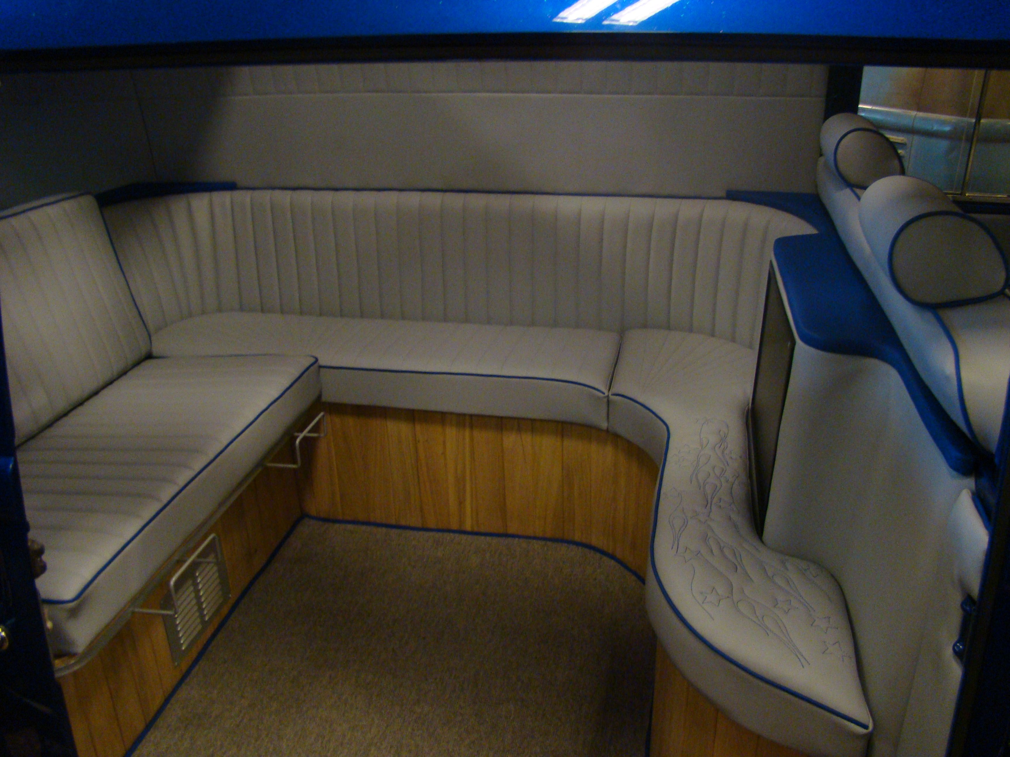 Vw camper interior vw interior ideas pinterest for Vw camper van interior designs