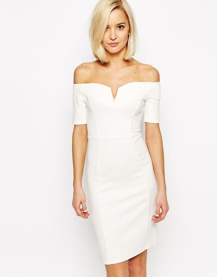 Платье по фигуре с открытыми плечами