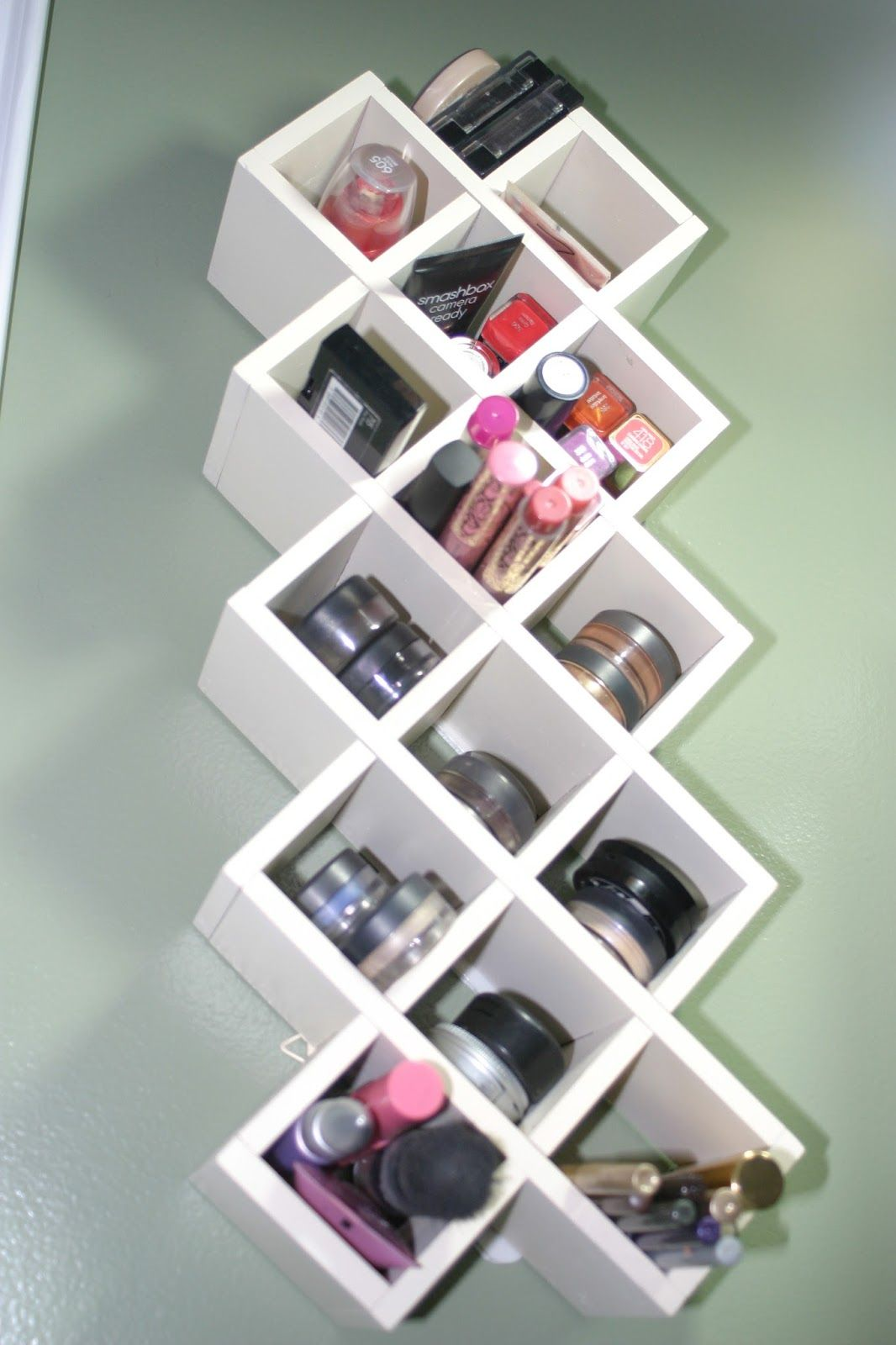 Makeup storage on pinterest vanities makeup Makeup organizer ideas