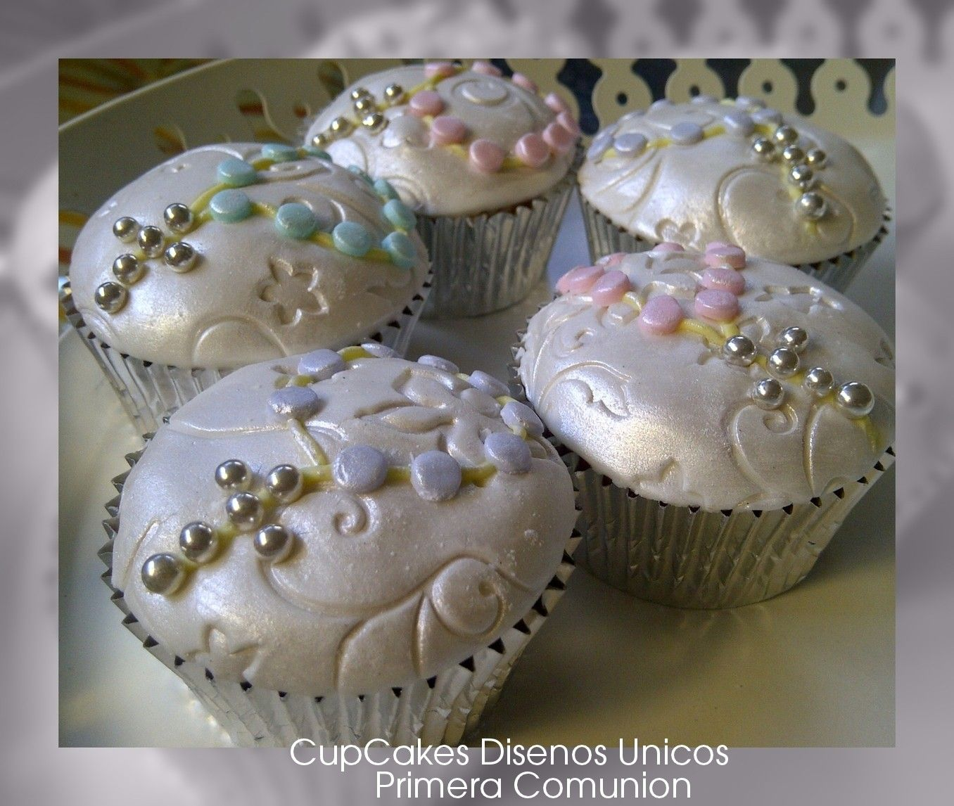 Cupcake Decorating Ideas For First Communion : First Communion Cupcakes ~! My Style / Mis Trabajos / My ...