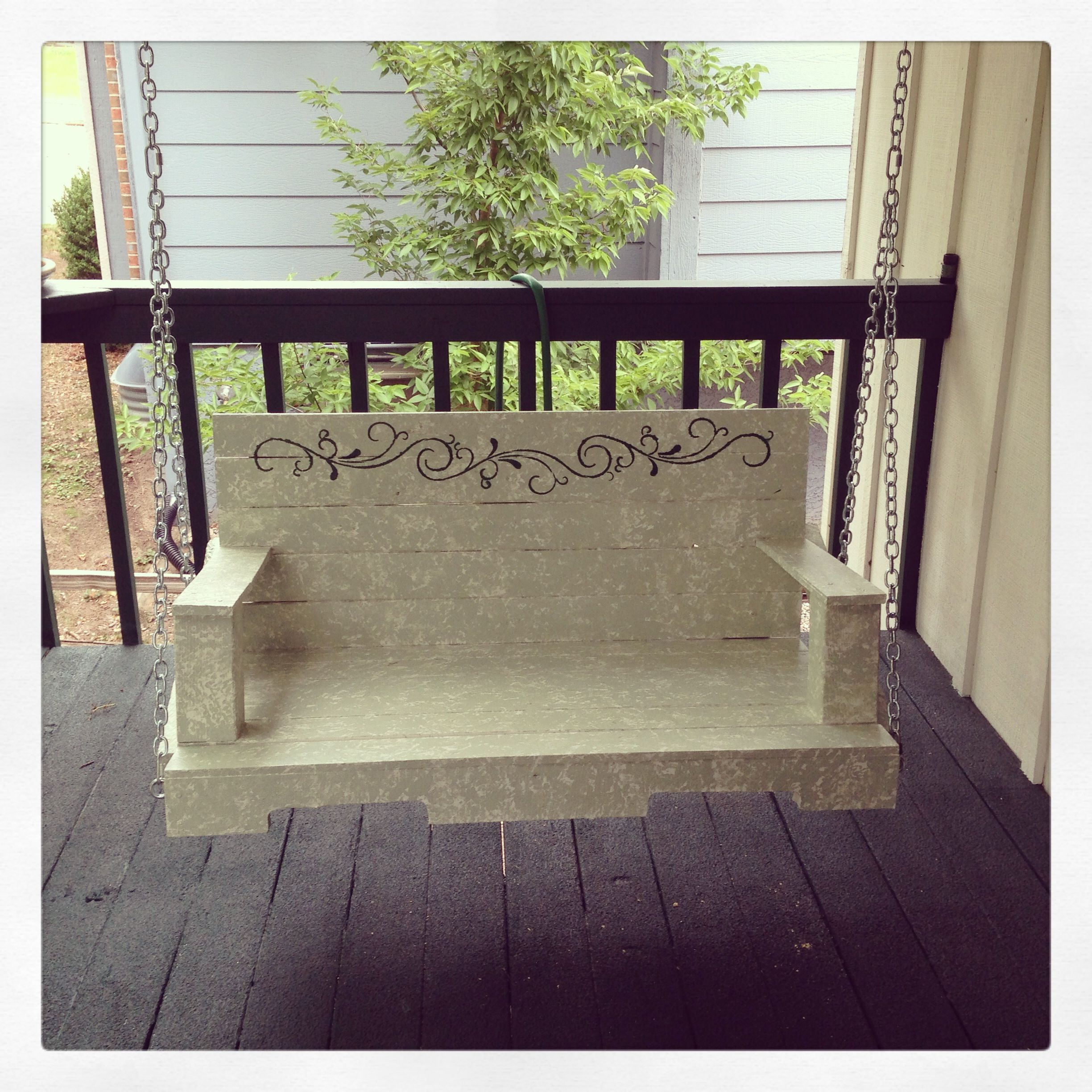 Porch swing made from pallets pallet projects pinterest for How to make a pallet porch swing
