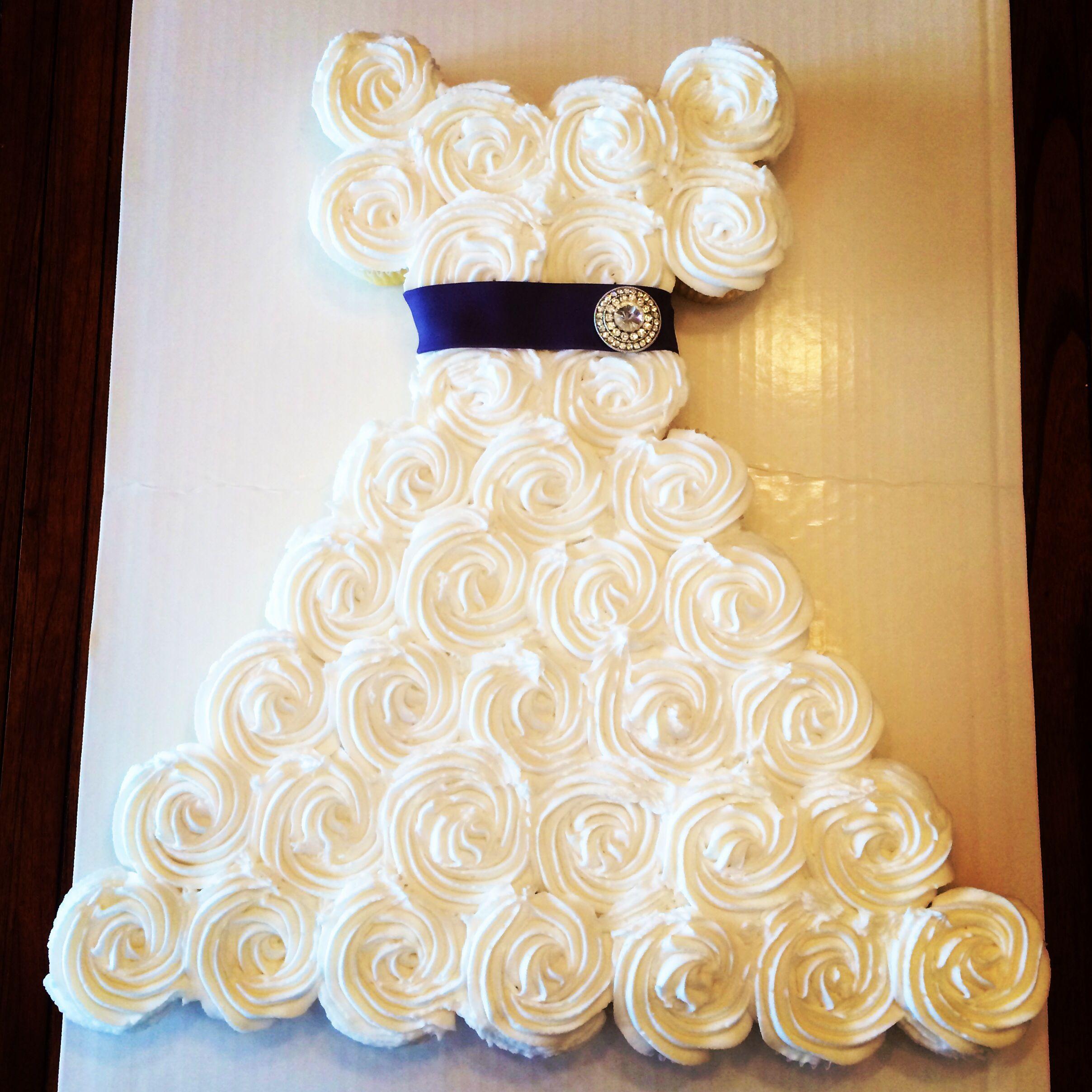 Wedding dress cupcake cake the wonderful world of for Wedding dress cupcake cake