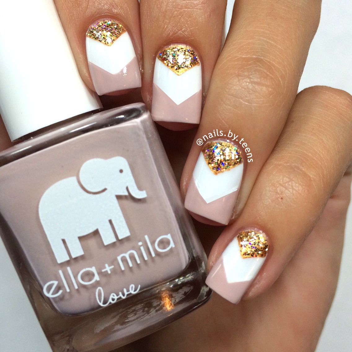 Explore Cute Nail Designs that Will Melt Your Heart photo