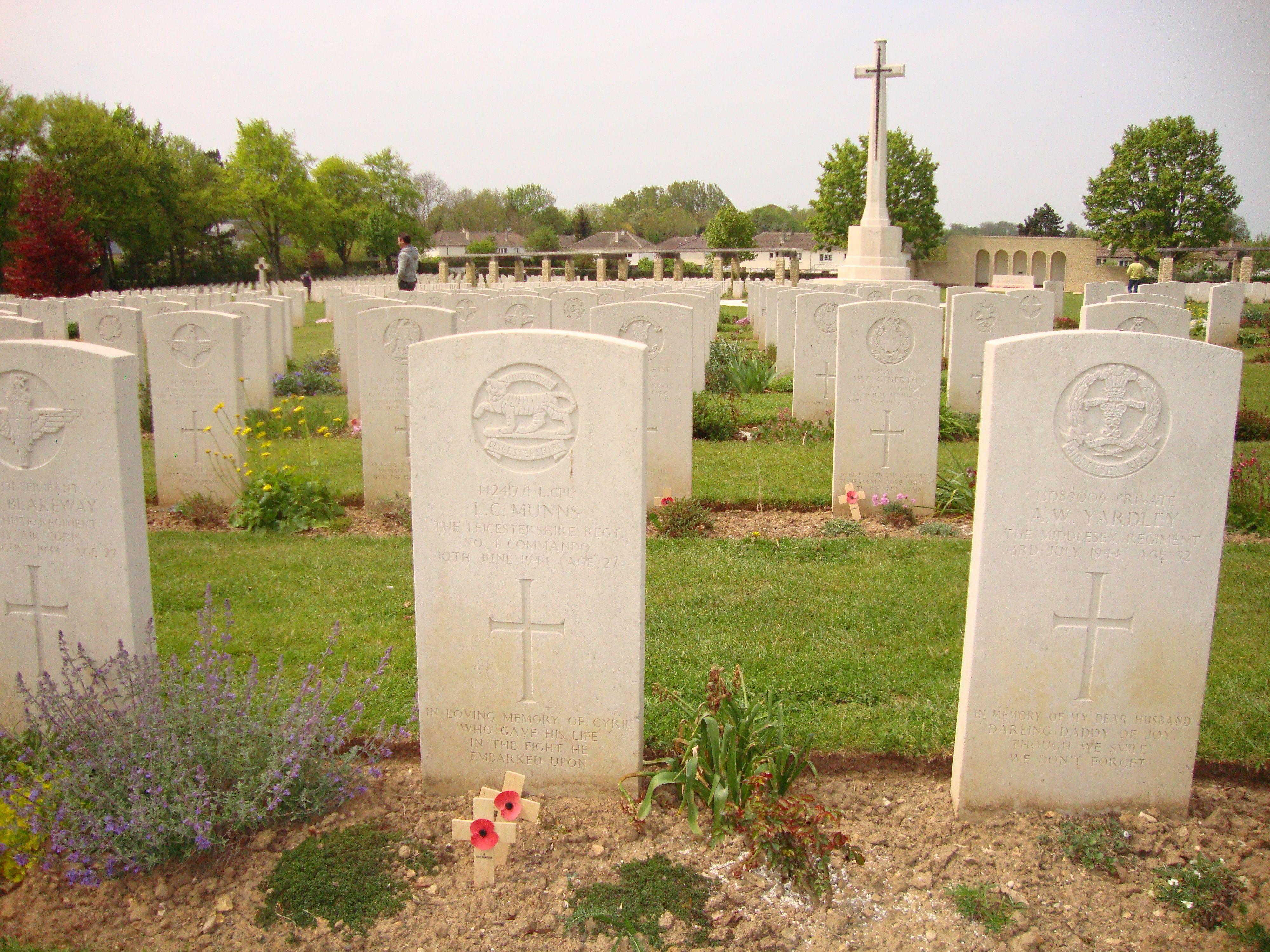 d-day war cemetery