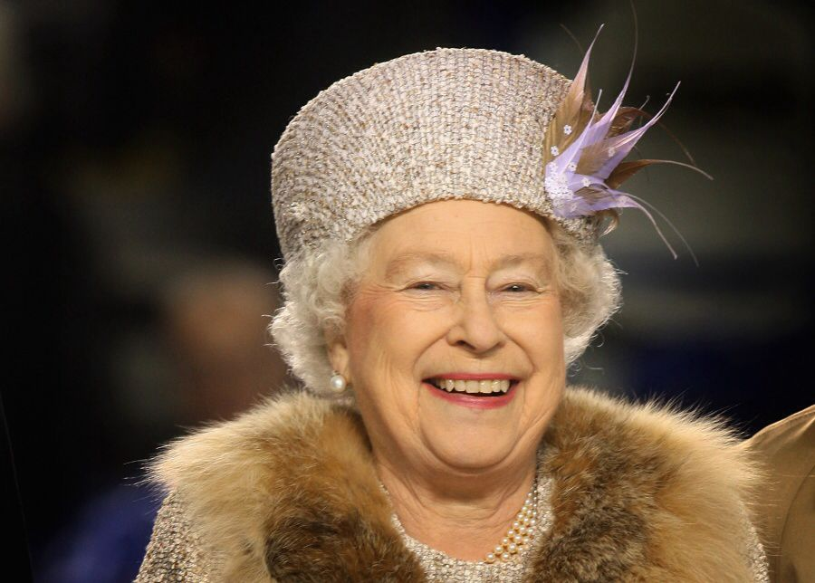 Pin By Pamela Rider On Queen Elizabeth Ii And Her Hats