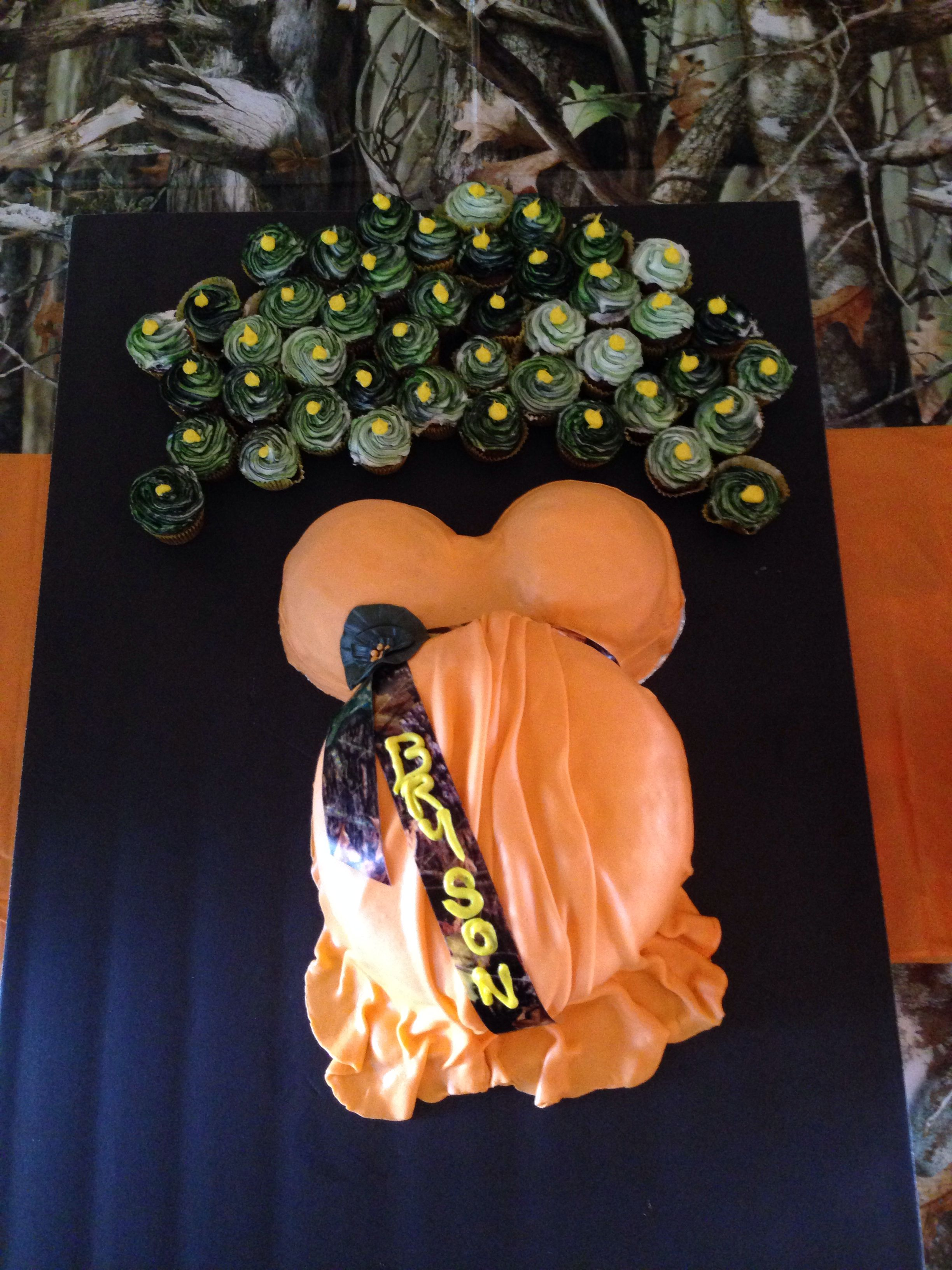 camo baby shower cakes pinterest