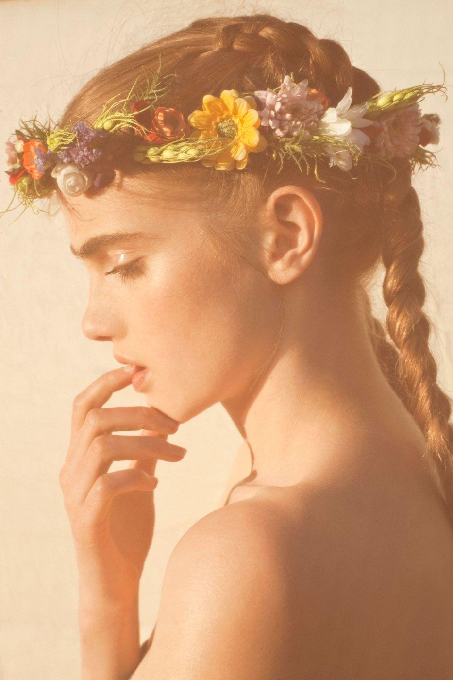 flower in her hair - photo #1