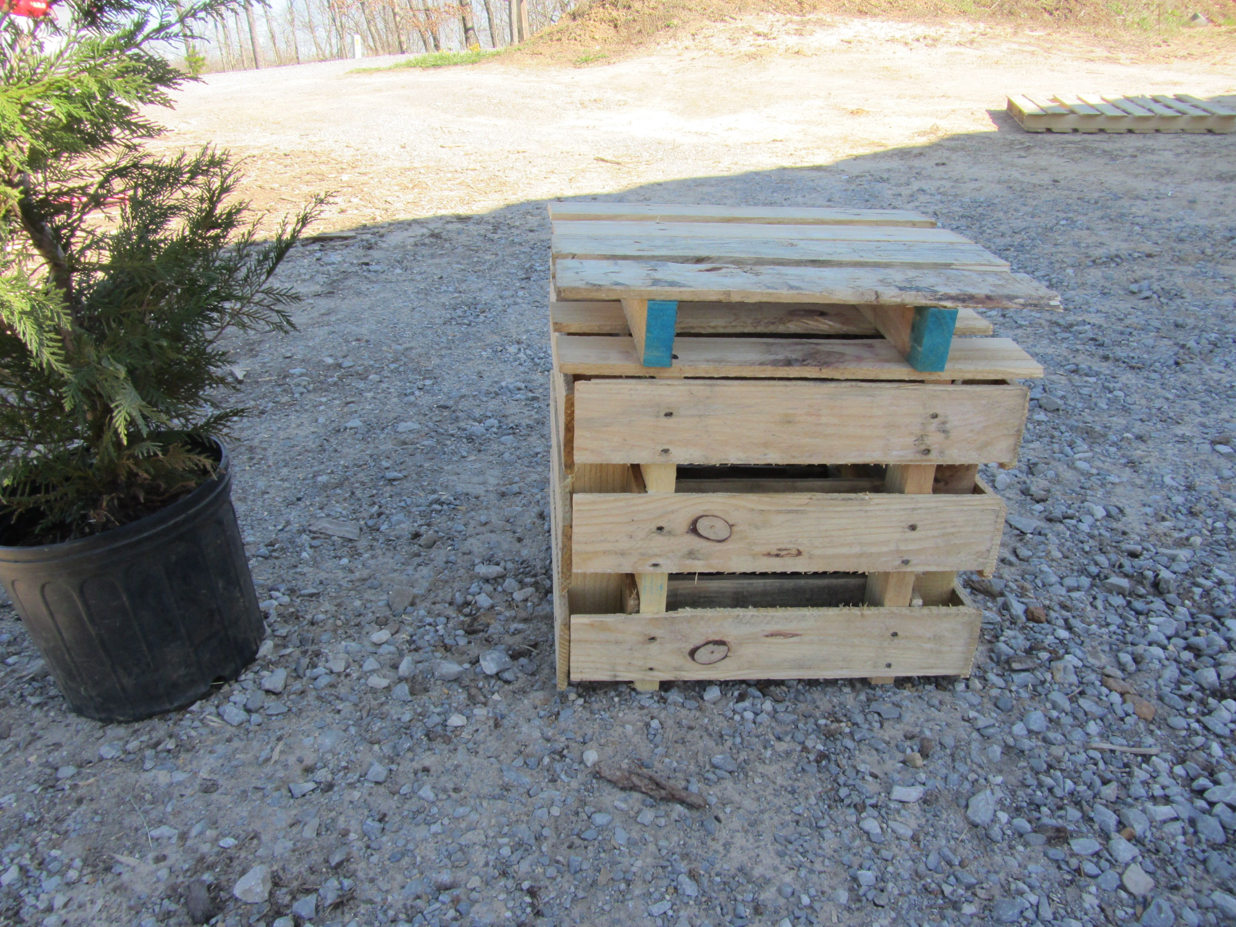 pallet projects 2 planter/TABLE   Gardening   Pinterest